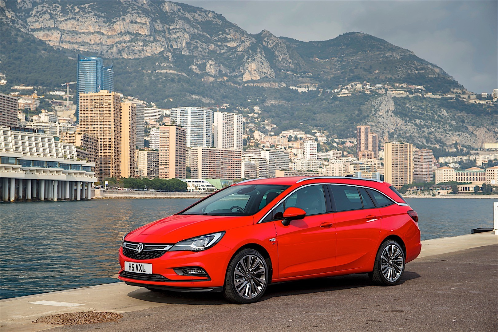 vauxhall astra sports tourer 2015 2016 autoevolution. Black Bedroom Furniture Sets. Home Design Ideas
