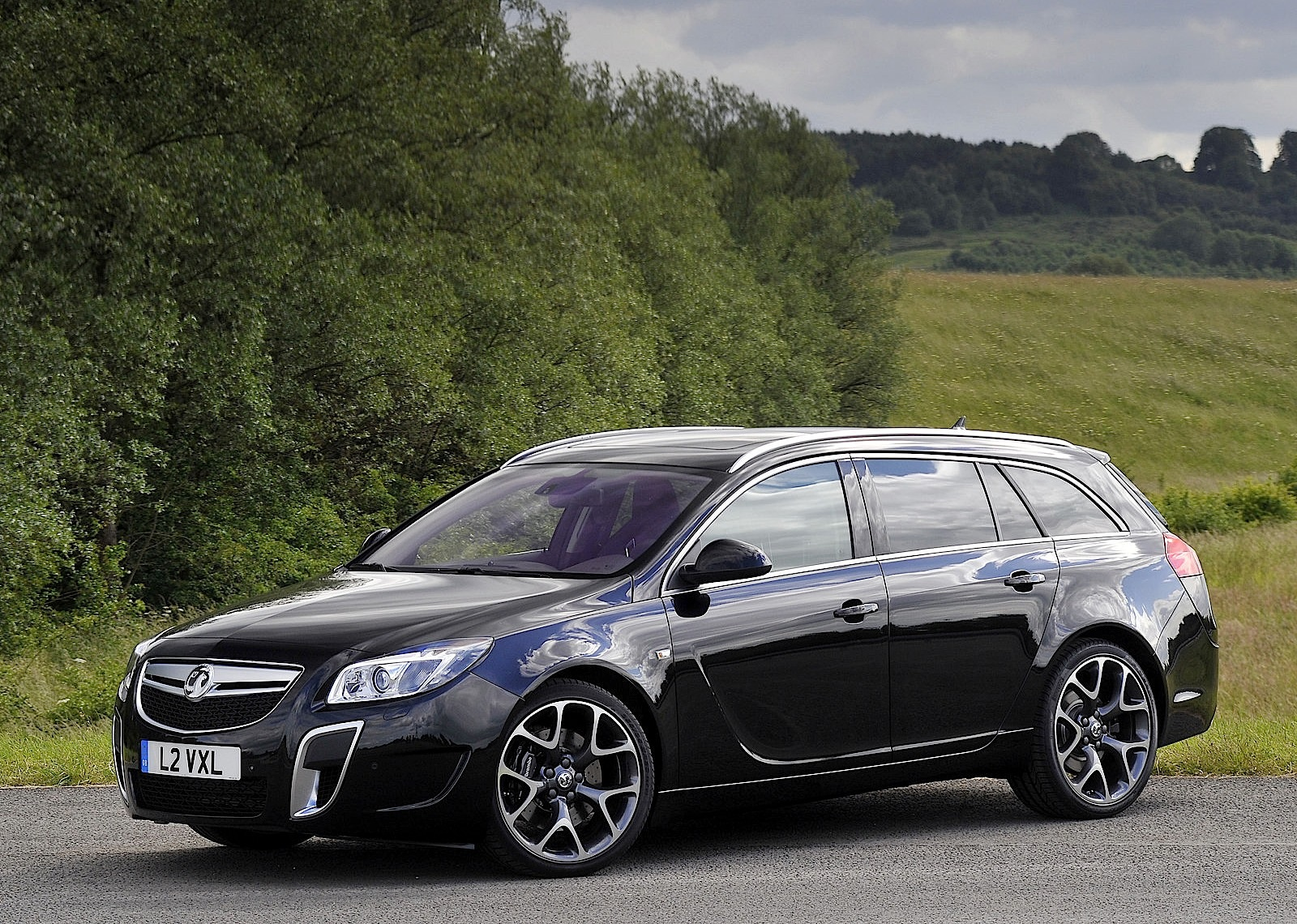 vauxhall insignia vxr supersport touring sports specs. Black Bedroom Furniture Sets. Home Design Ideas