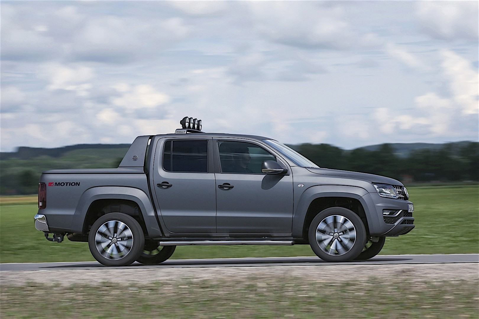 volkswagen amarok double cab specs 2016 2017 2018 autoevolution. Black Bedroom Furniture Sets. Home Design Ideas