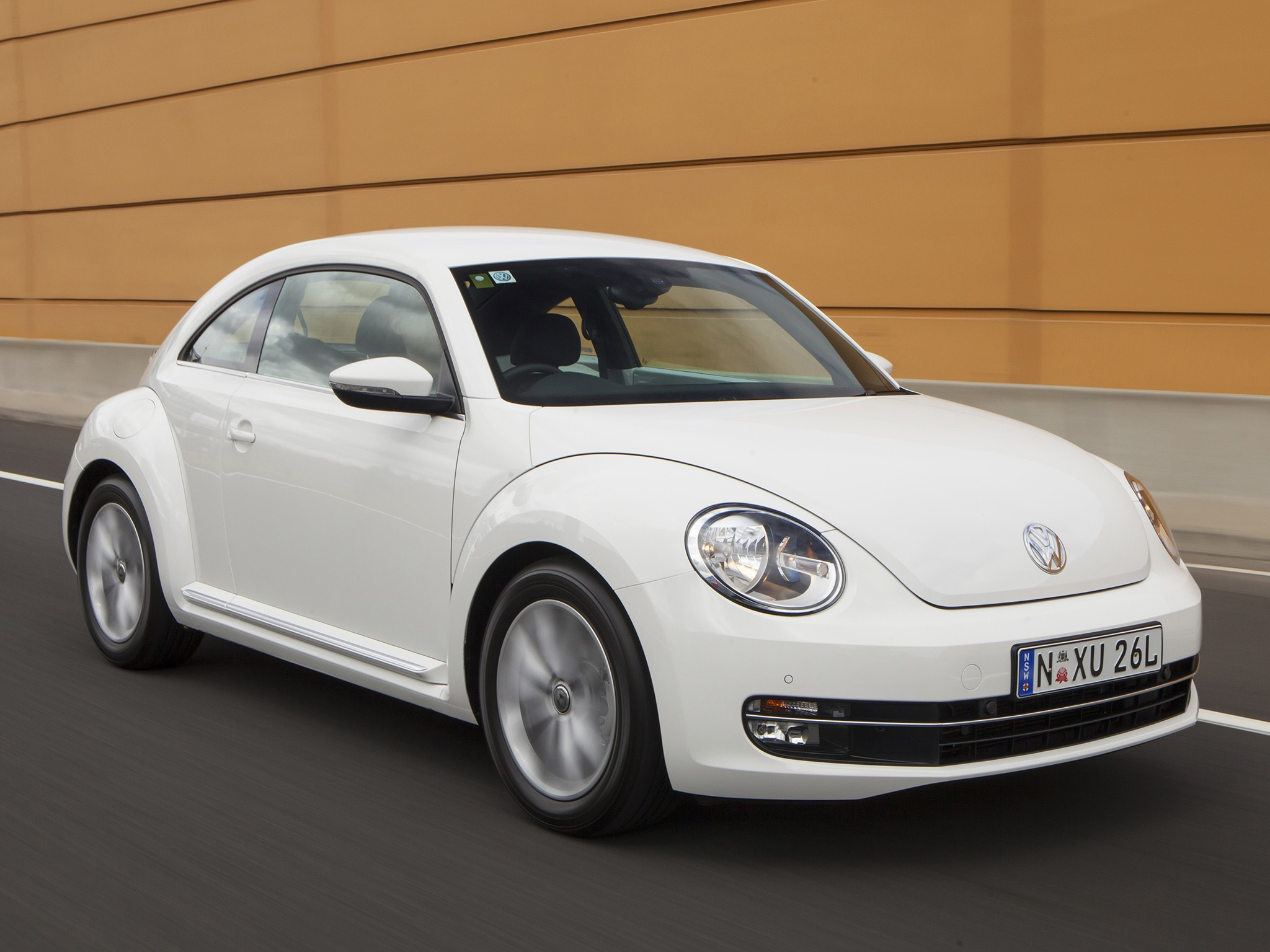 volkswagen beetle 2011 2012 2013 2014 2015 2016 autoevolution. Black Bedroom Furniture Sets. Home Design Ideas