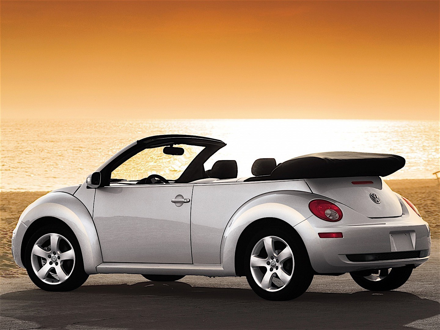 volkswagen beetle cabrio 2005 2006 2007 2008 2009. Black Bedroom Furniture Sets. Home Design Ideas