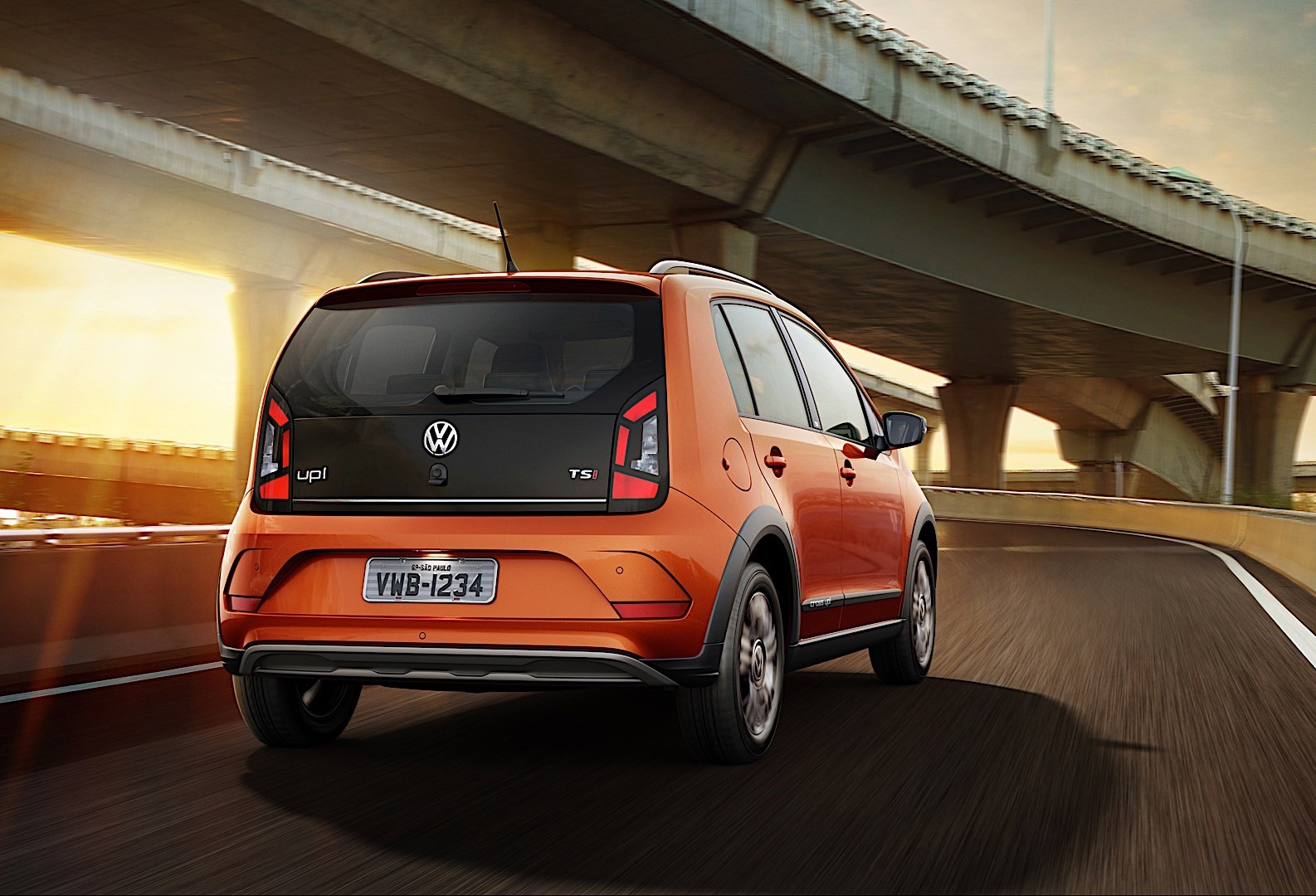Volkswagen Cross Up on Chrysler 3 0 Engine