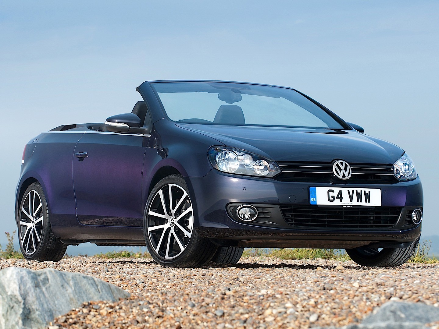 volkswagen golf cabrio 2015 2016 autoevolution. Black Bedroom Furniture Sets. Home Design Ideas
