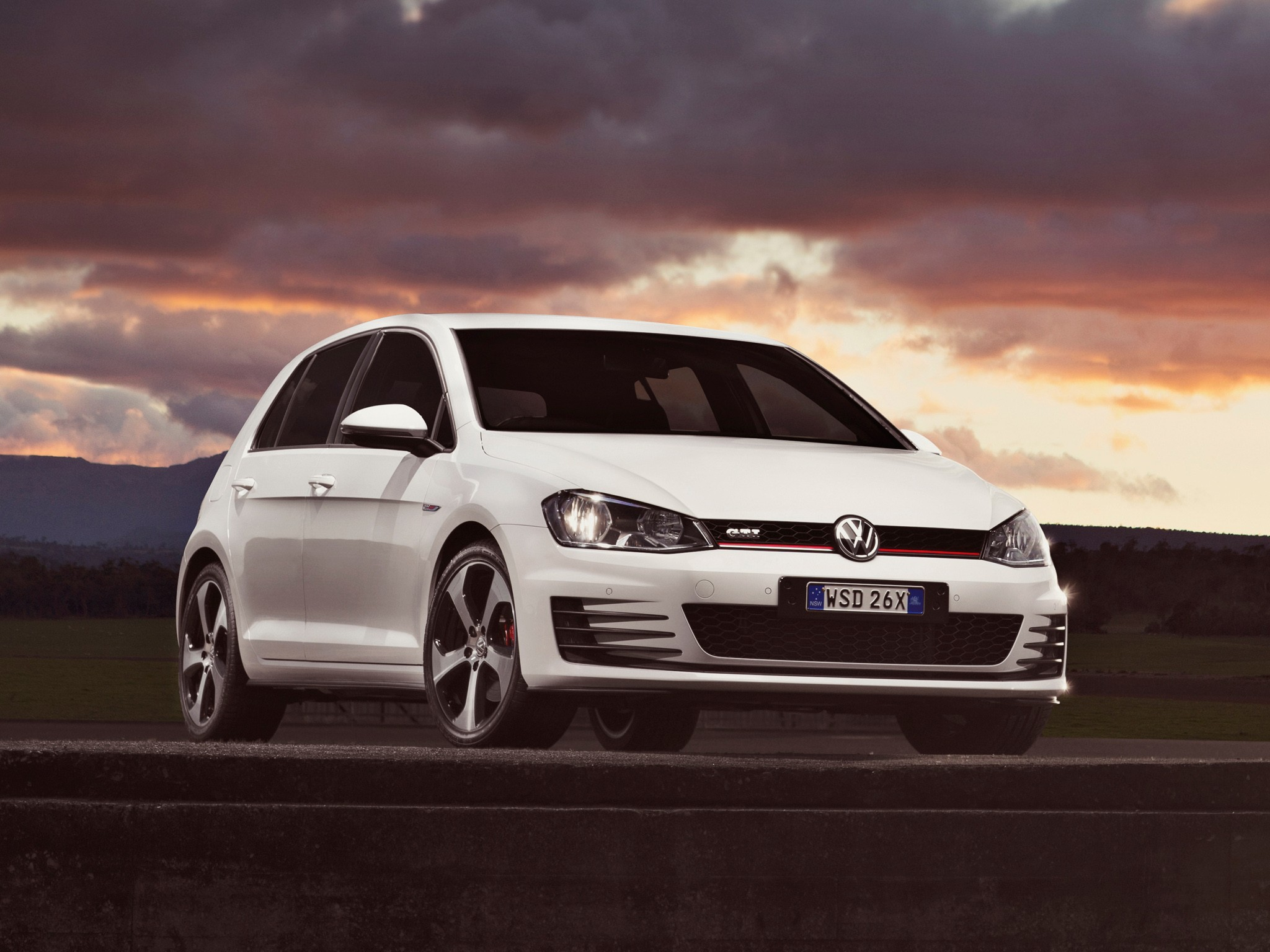 difference between 2015 golf and gti autos post. Black Bedroom Furniture Sets. Home Design Ideas