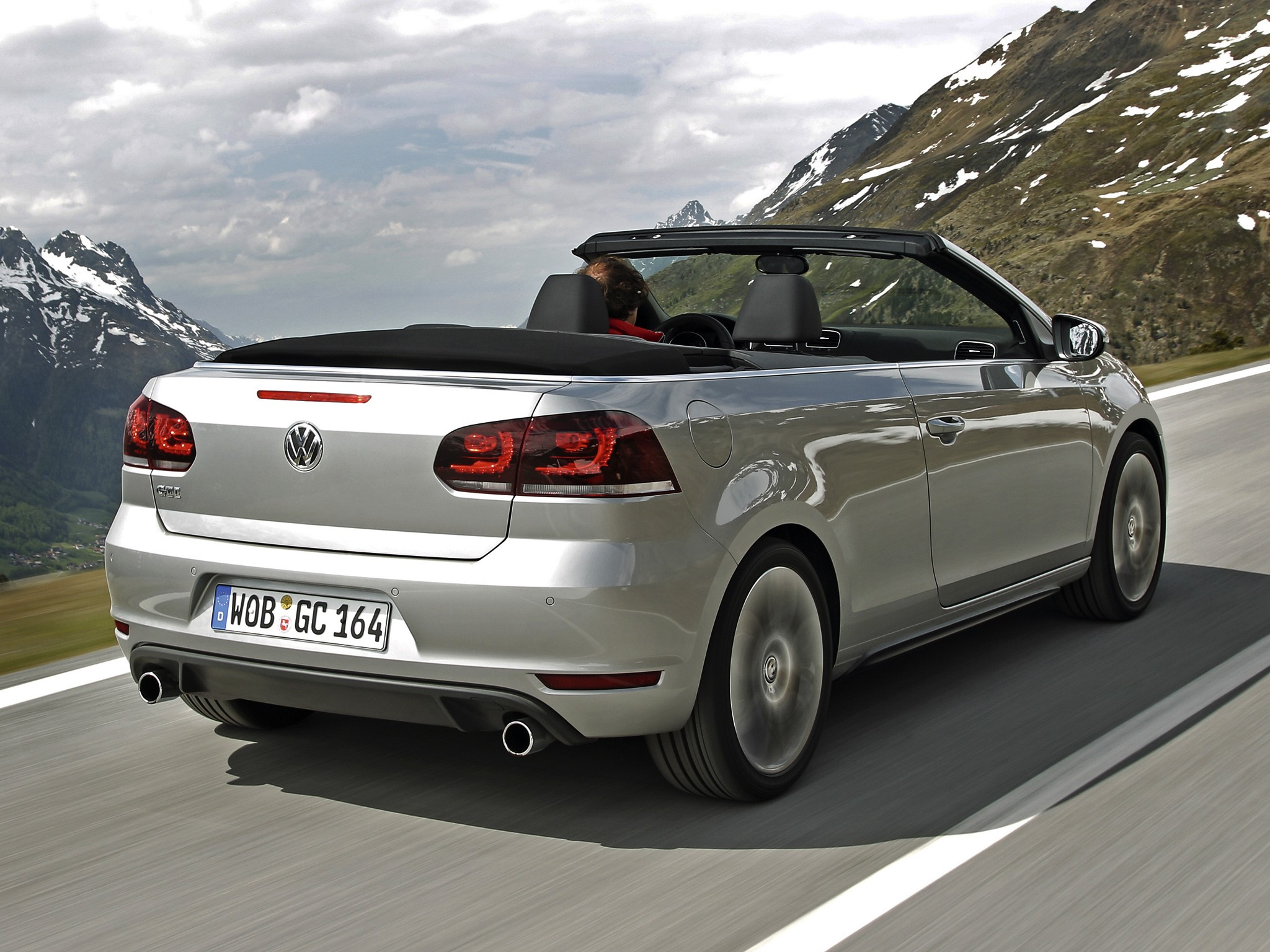volkswagen golf vi gti cabrio specs photos 2012 2013. Black Bedroom Furniture Sets. Home Design Ideas
