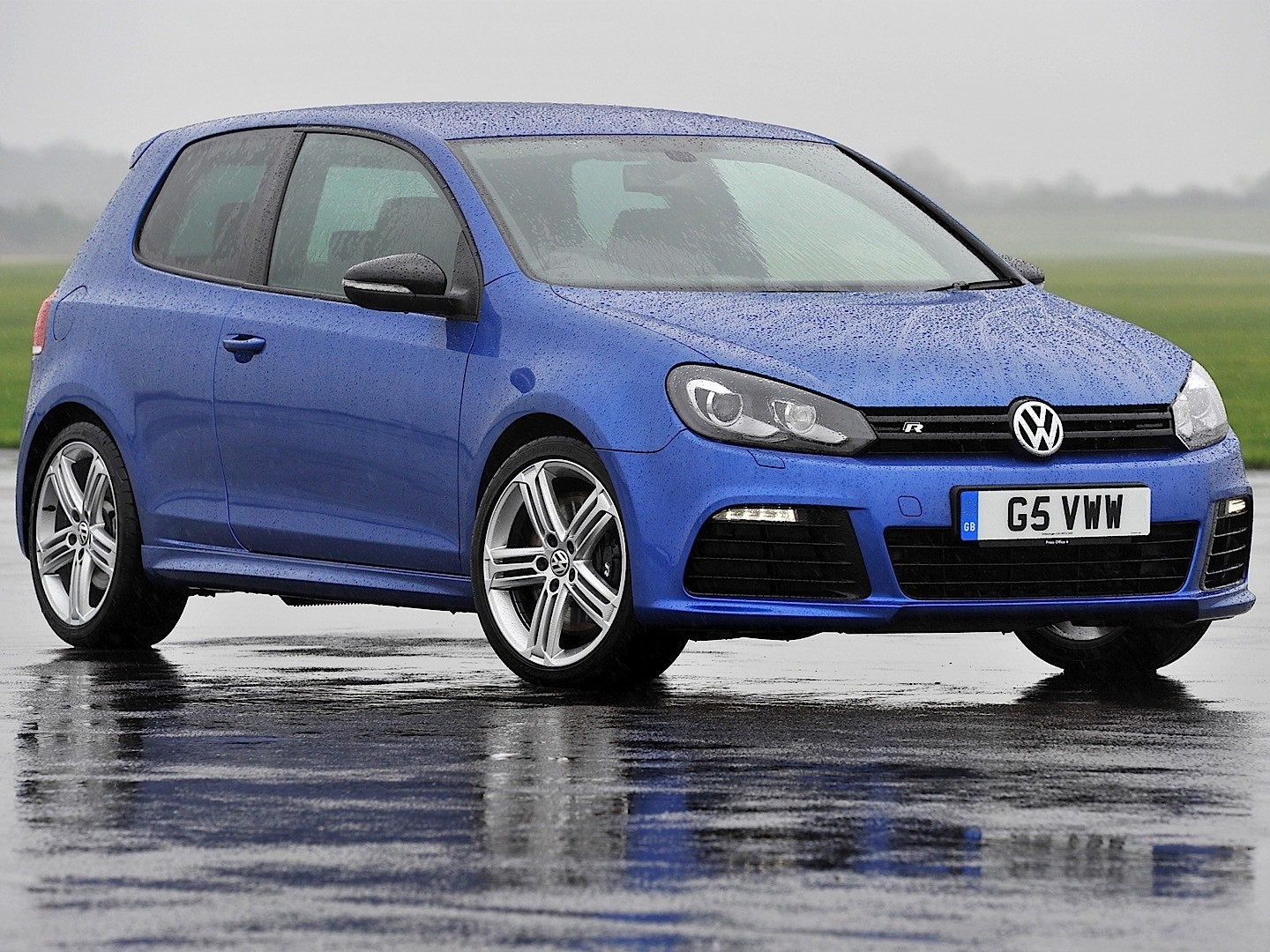 volkswagen golf vi r 3 doors specs photos 2009 2010. Black Bedroom Furniture Sets. Home Design Ideas