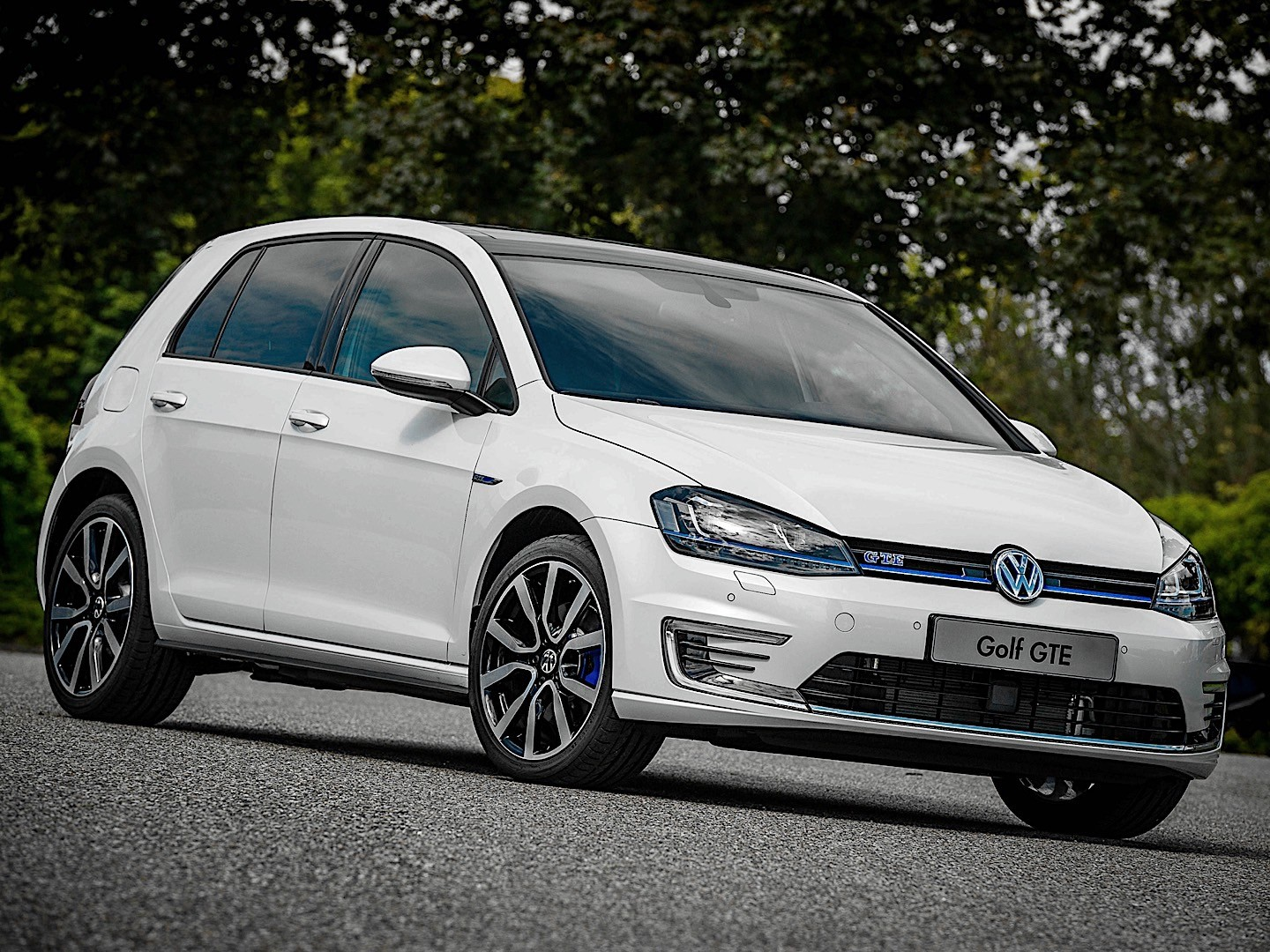 volkswagen golf vii gte specs photos 2014 2015 2016 2017 autoevolution. Black Bedroom Furniture Sets. Home Design Ideas