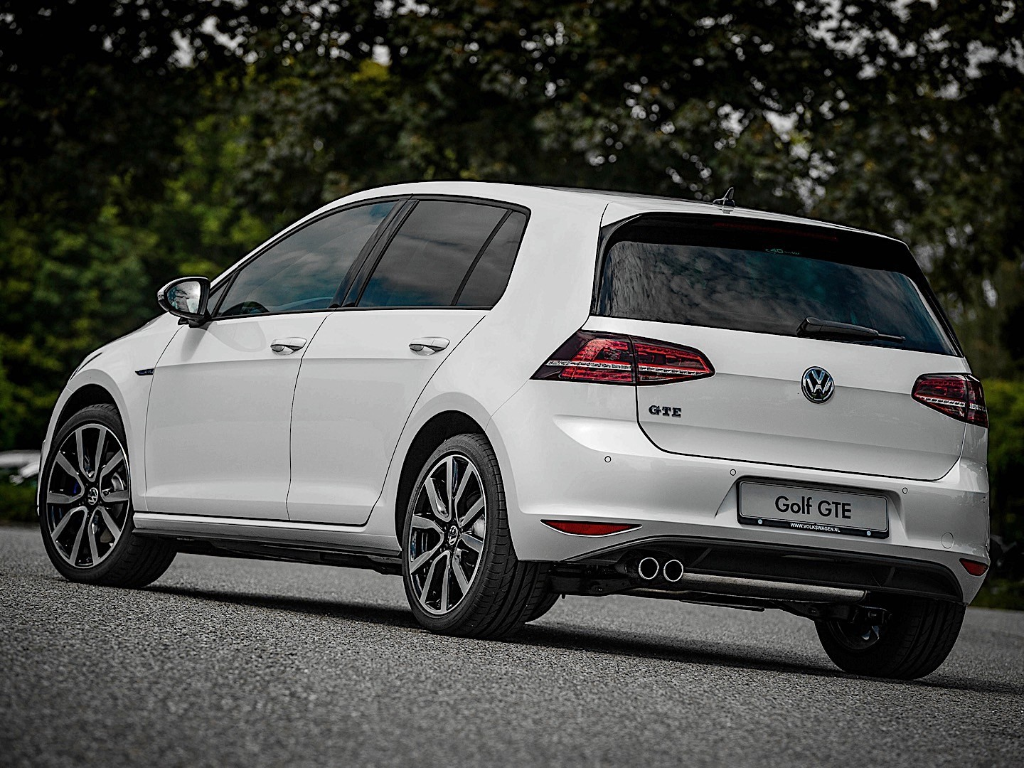 volkswagen golf vii gte specs photos 2014 2015 2016. Black Bedroom Furniture Sets. Home Design Ideas