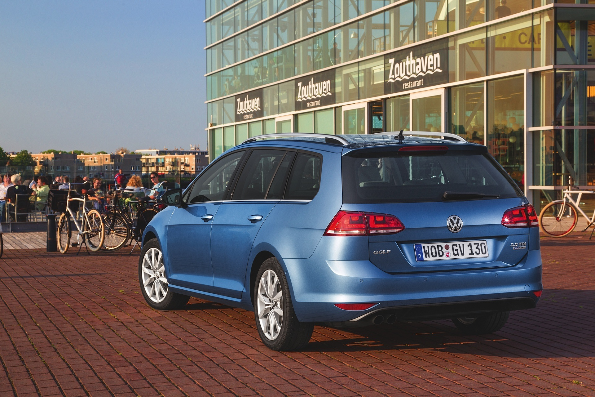 volkswagen golf vii variant specs 2013 2014 2015 2016 2017 autoevolution. Black Bedroom Furniture Sets. Home Design Ideas