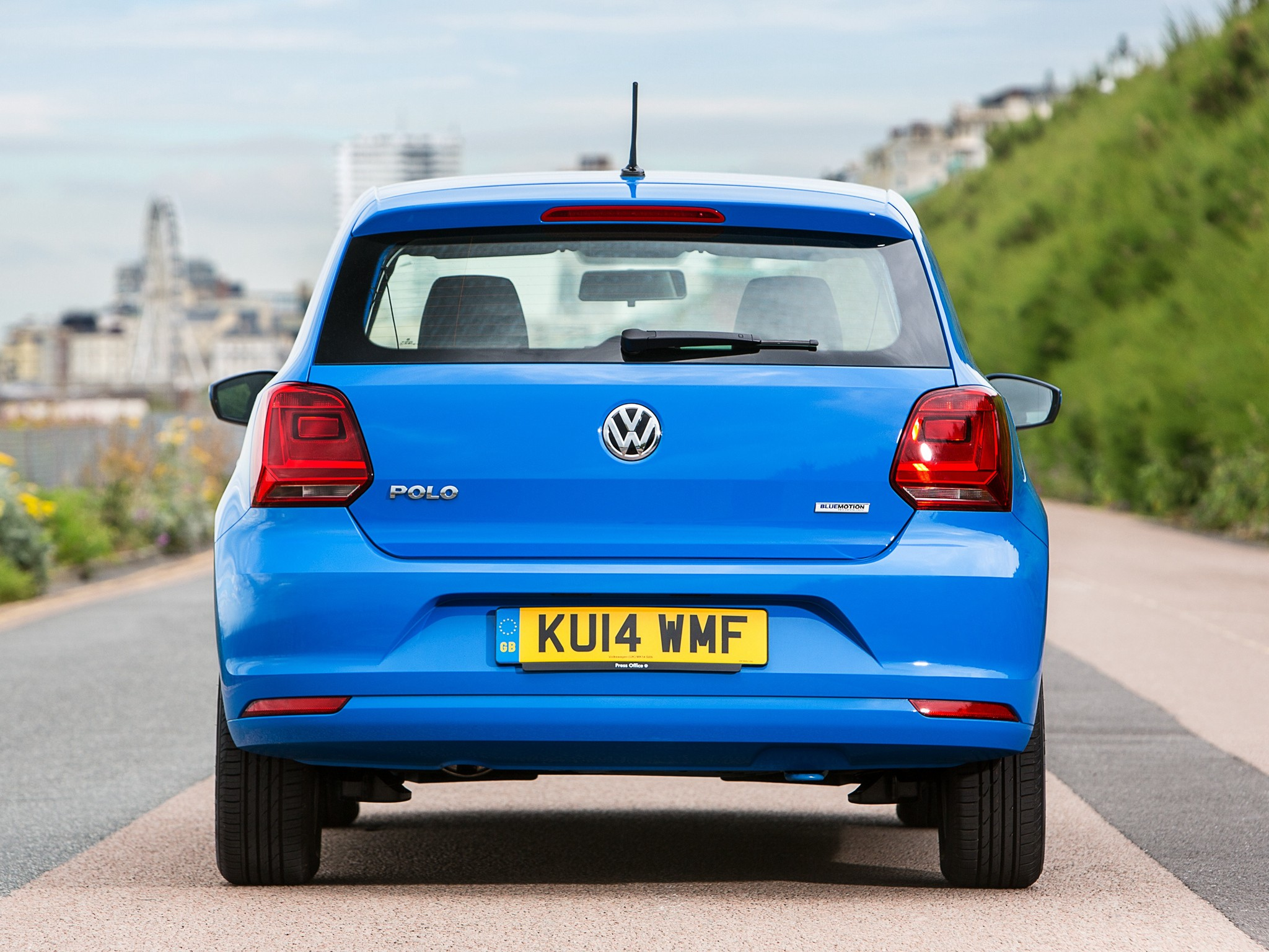 volkswagen polo 3 doors specs photos 2014 2015 2016. Black Bedroom Furniture Sets. Home Design Ideas