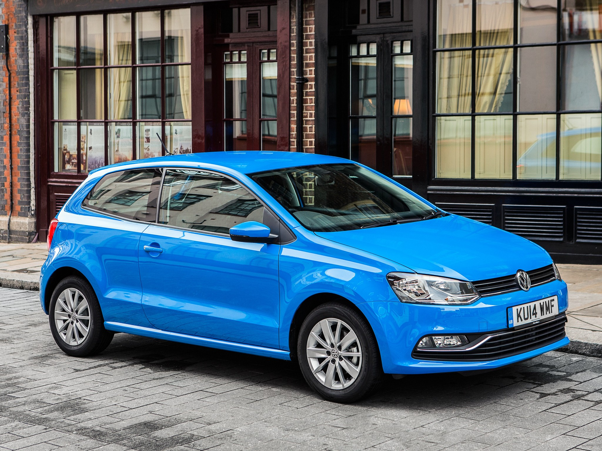 volkswagen polo 3 doors specs 2014 2015 2016 2017 autoevolution. Black Bedroom Furniture Sets. Home Design Ideas