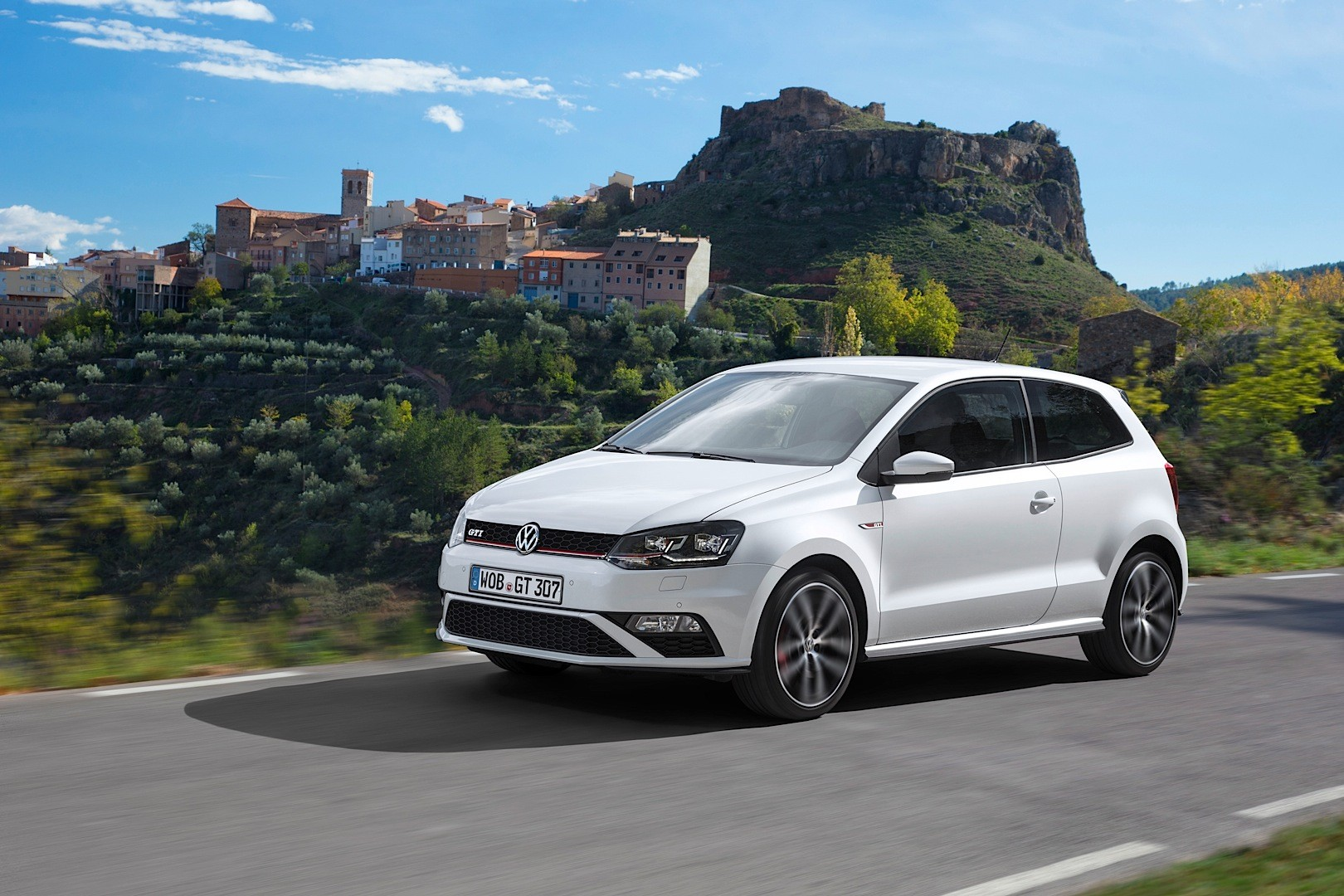 VOLKSWAGEN Polo GTI specs & photos - 2014, 2015, 2016, 2017 - autoevolution