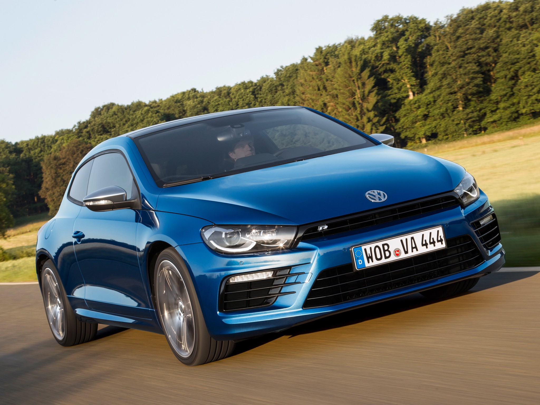 volkswagen scirocco r 2014 2015 2016 2017 autoevolution. Black Bedroom Furniture Sets. Home Design Ideas