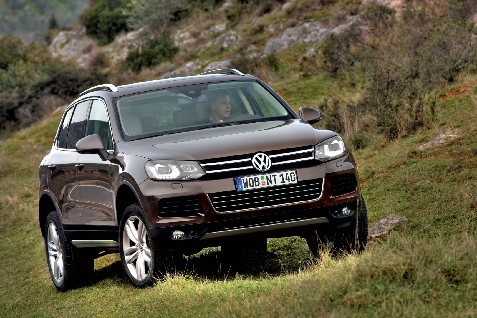 volkswagen touareg specs 2010 2011 2012 2013 2014 autoevolution. Black Bedroom Furniture Sets. Home Design Ideas
