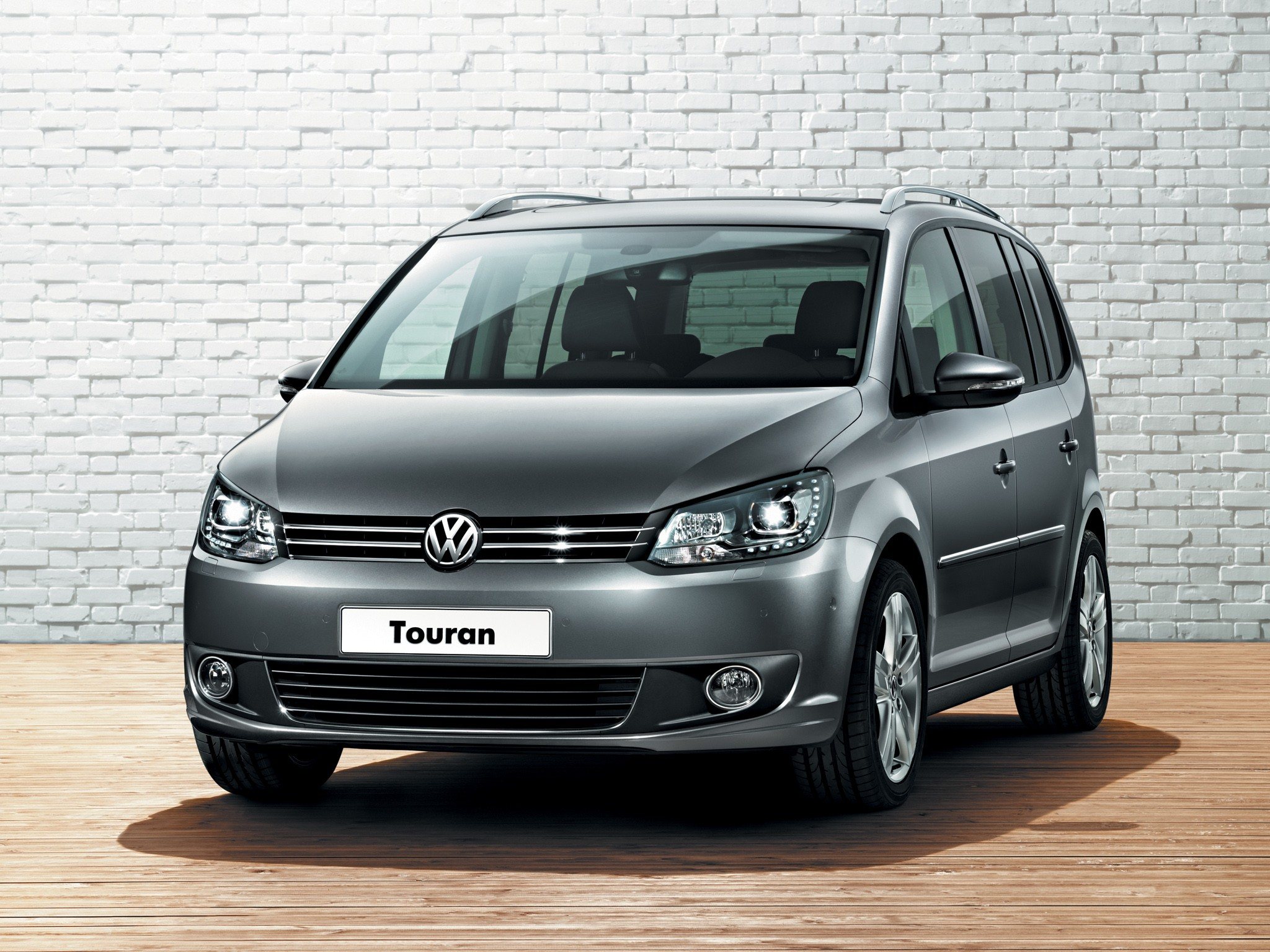 Vw Touran 2018 >> VOLKSWAGEN Touran - 2010, 2011, 2012, 2013, 2014, 2015 - autoevolution