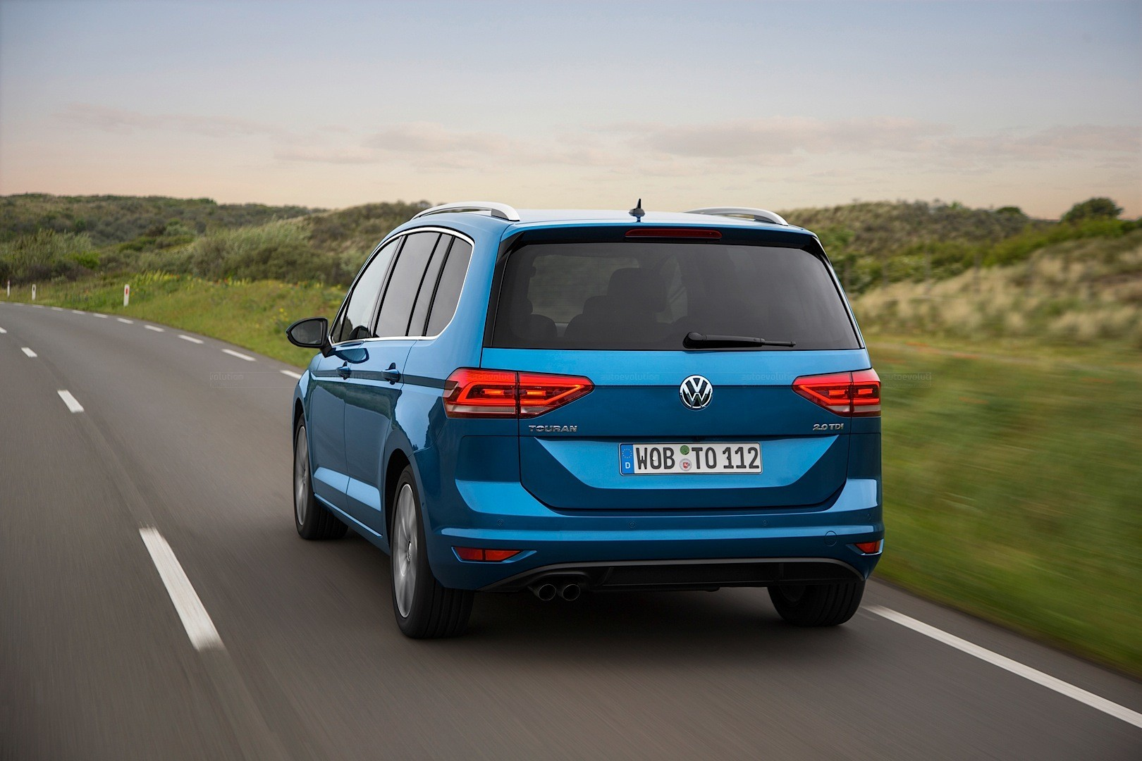 touran volkswagen vw tsi hp tdi golf hd picasso sharper looks than latest engines gets autoevolution million present exceeds production