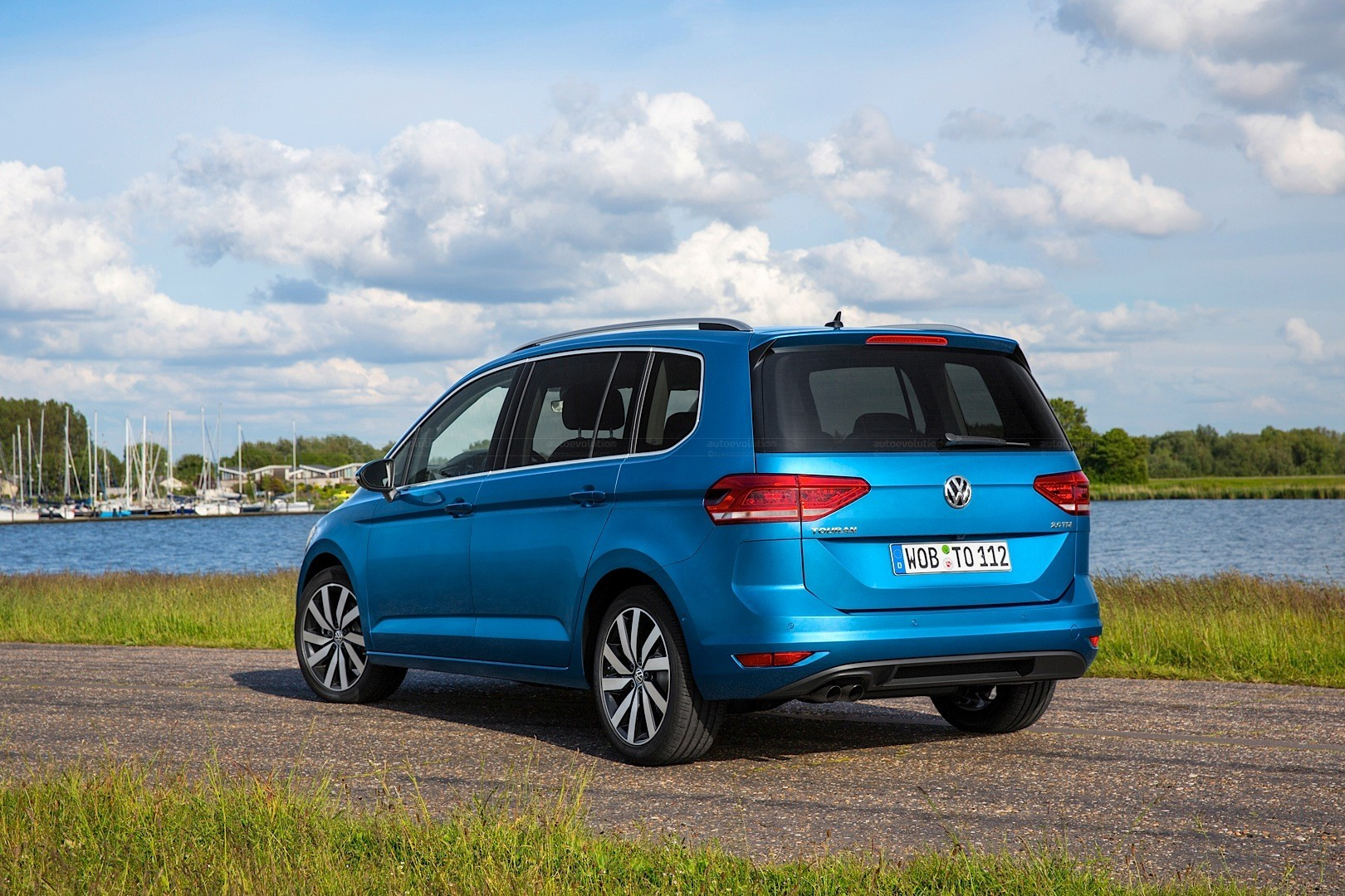 volkswagen touran specs photos 2015 2016 2017 2018 autoevolution. Black Bedroom Furniture Sets. Home Design Ideas