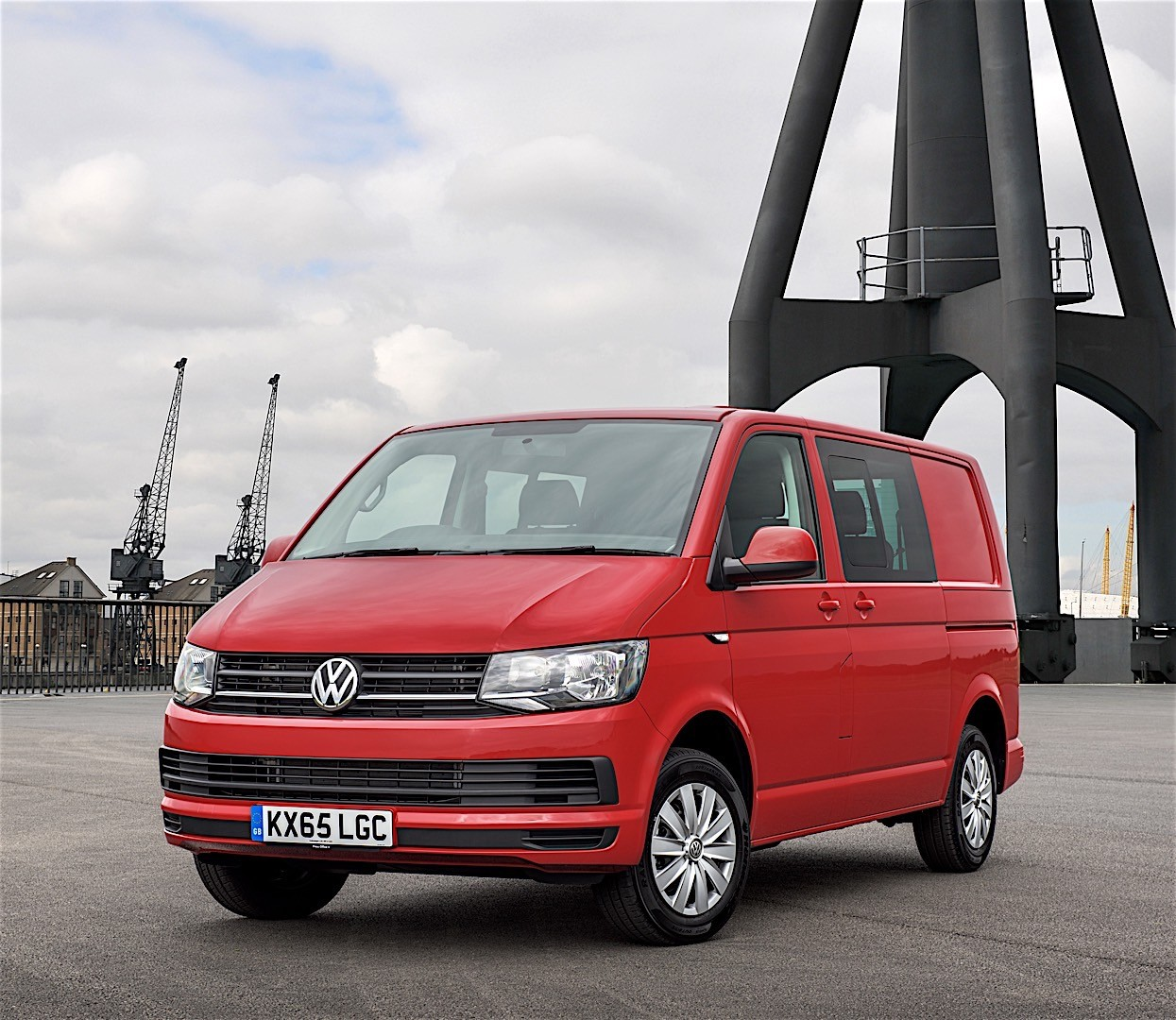 volkswagen transporter kombi t6 specs 2015 2016 2017 2018 autoevolution. Black Bedroom Furniture Sets. Home Design Ideas