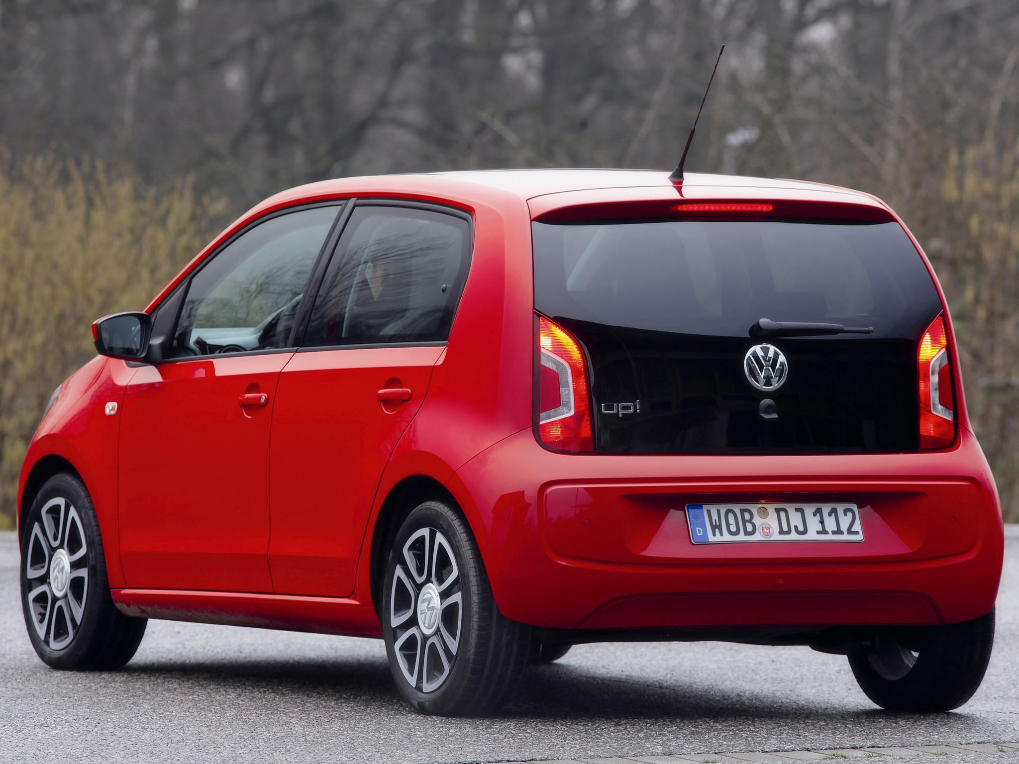 volkswagen up 5 doors specs 2012 2013 2014 2015 2016 autoevolution. Black Bedroom Furniture Sets. Home Design Ideas