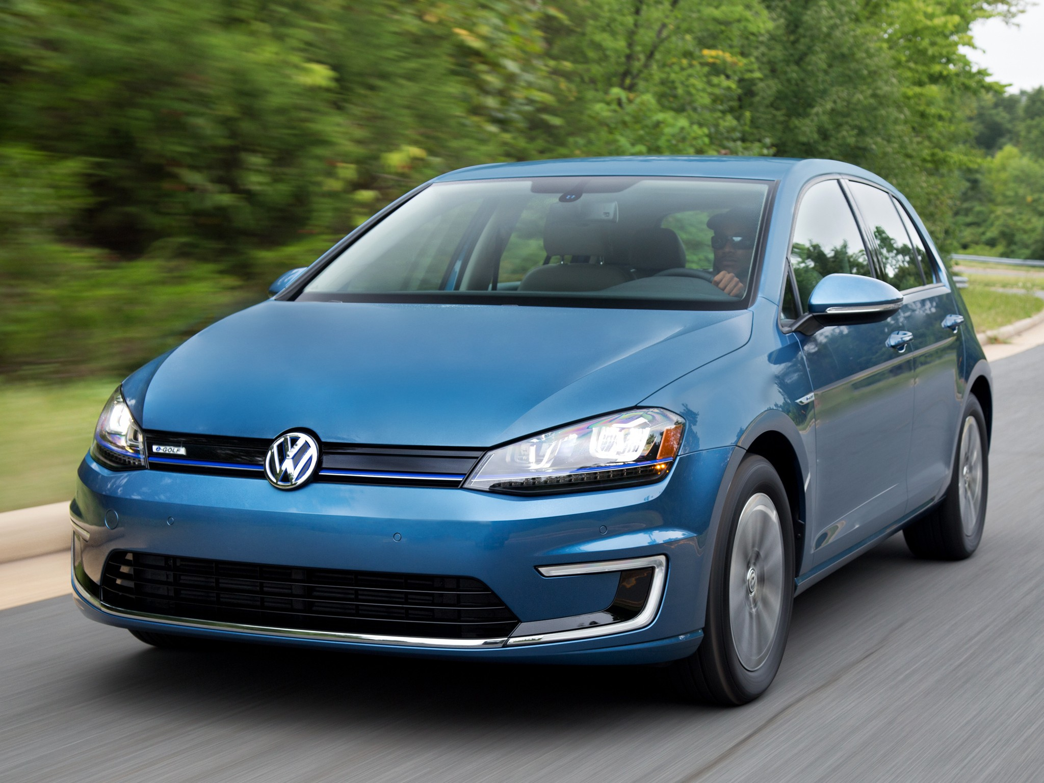 VW Golf Electric >> VOLKSWAGEN e-Golf specs & photos - 2014, 2015, 2016 ...