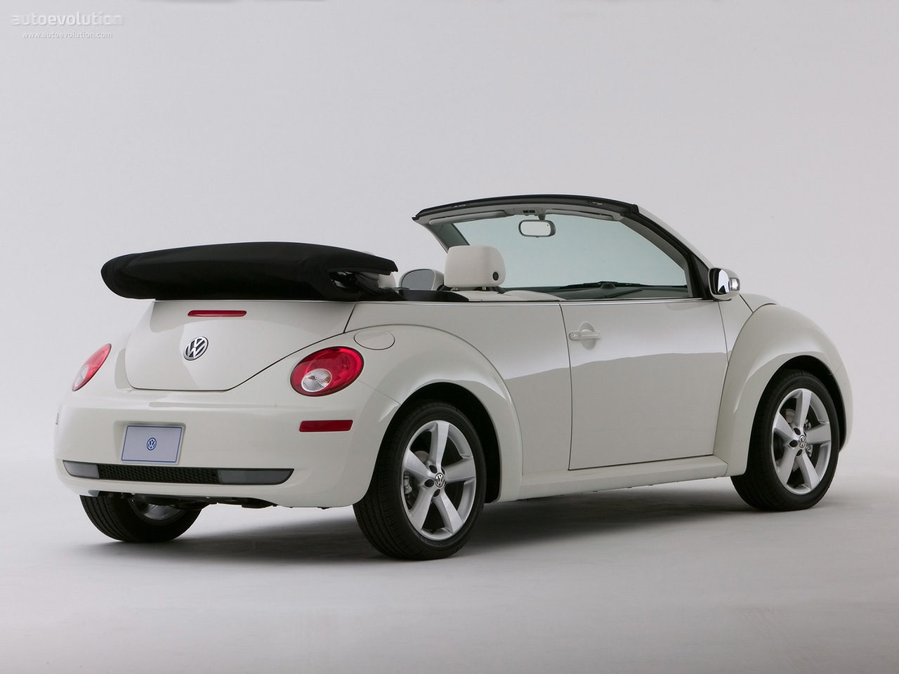 volkswagen beetle cabrio specs 2005 2006 2007 2008. Black Bedroom Furniture Sets. Home Design Ideas