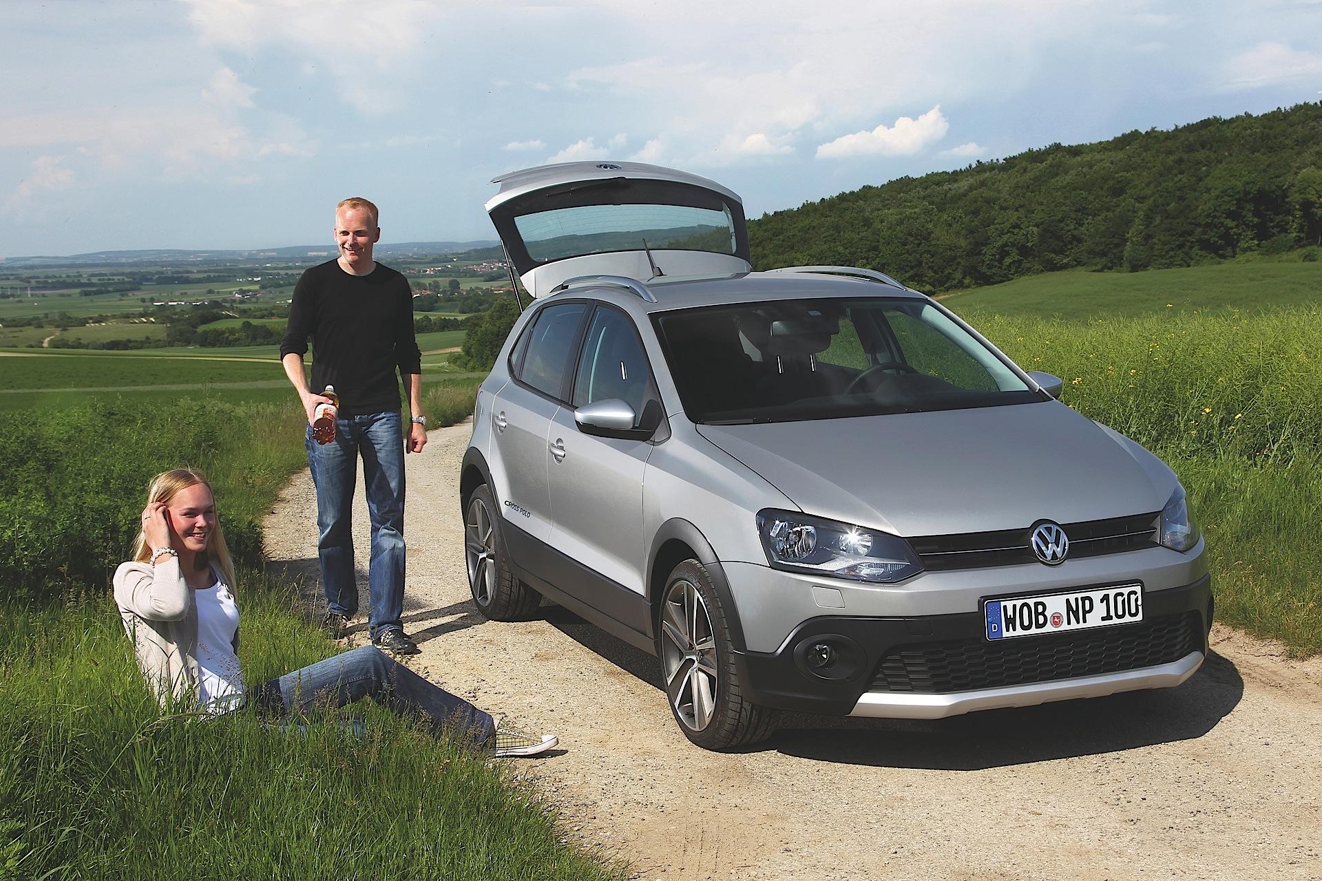 Volkswagen Crosspolo Specs Amp Photos 2010 2011 2012 2013 2014 2015 2016 2017 2018 2019