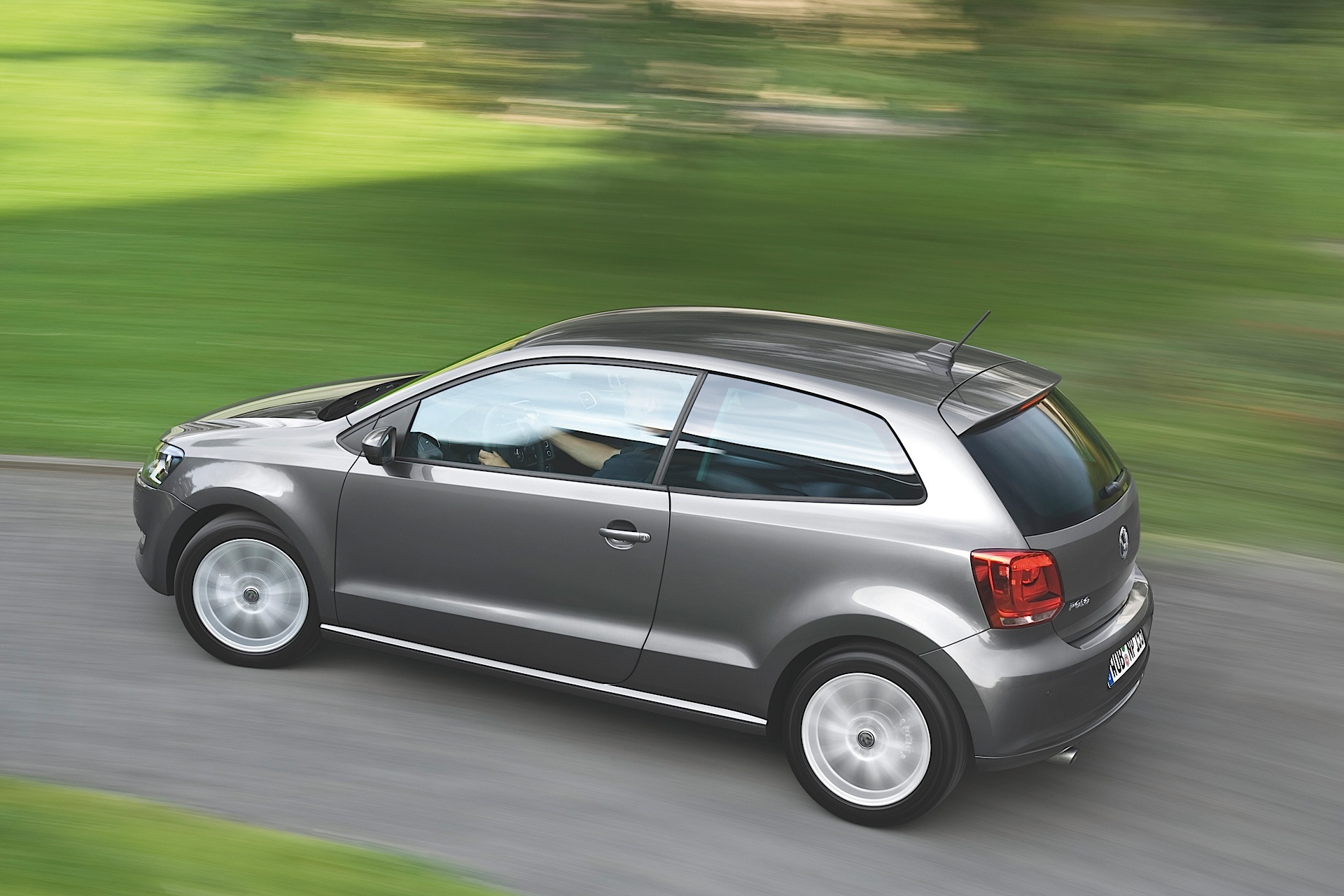 volkswagen polo 3 doors specs 2009 2010 2011 2012 2013 2014 autoevolution. Black Bedroom Furniture Sets. Home Design Ideas