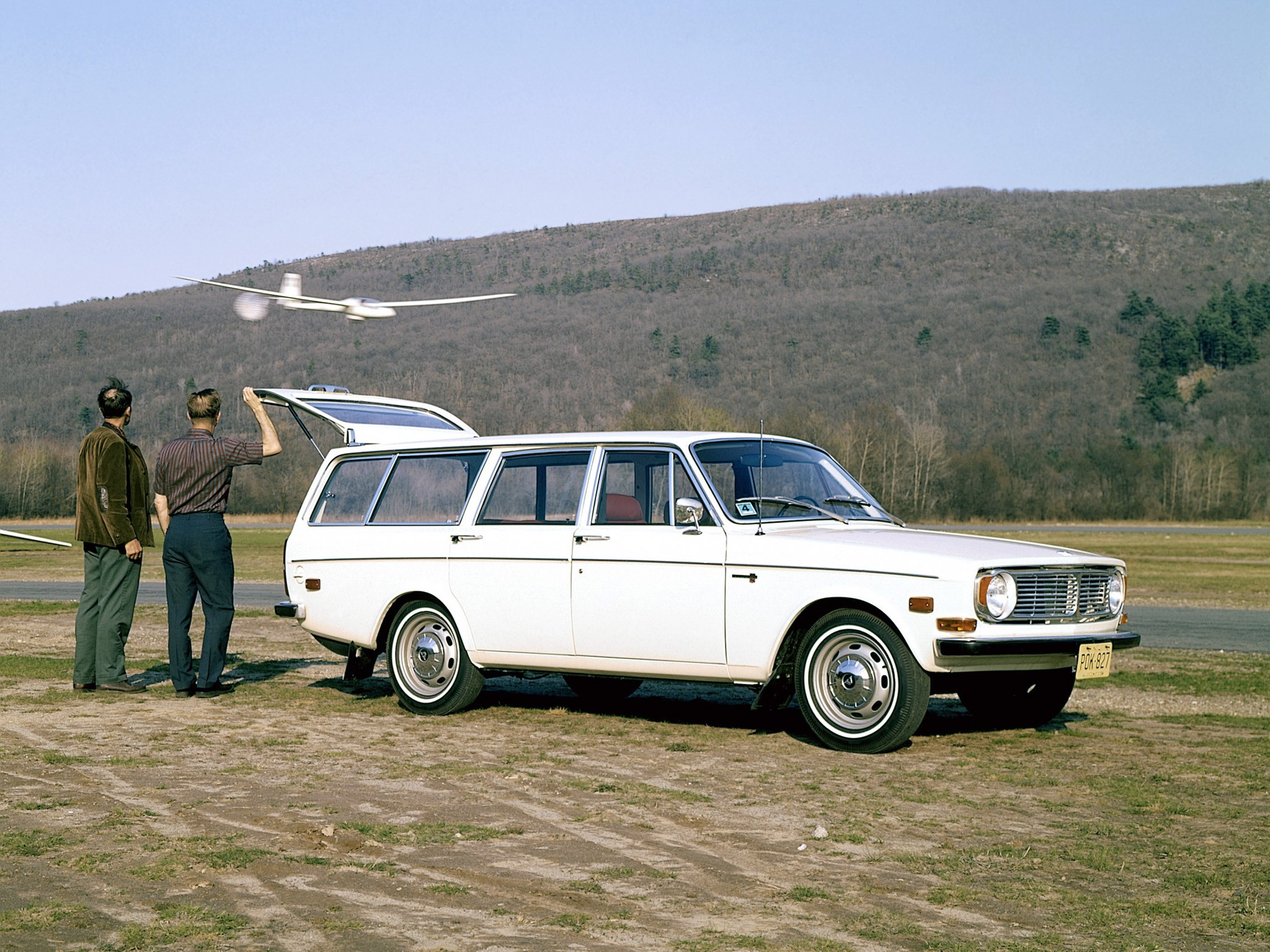 Volvo 145 Specs Photos 1967 1968 1969 1970 1971 1972 1973 1974 Autoevolution