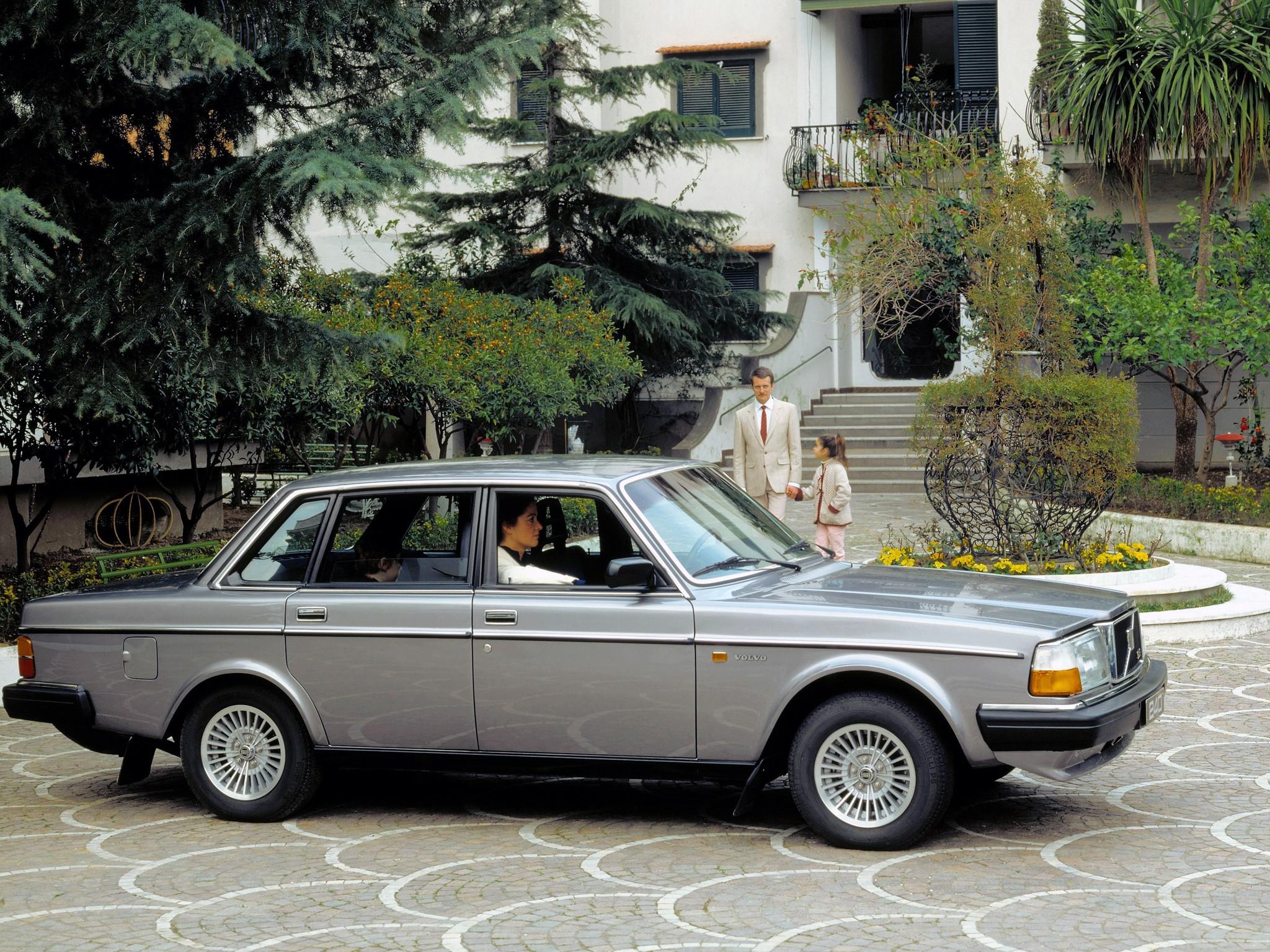 VOLVO 244 - 1975, 1976, 1977, 1978, 1979, 1980, 1981, 1982 ...