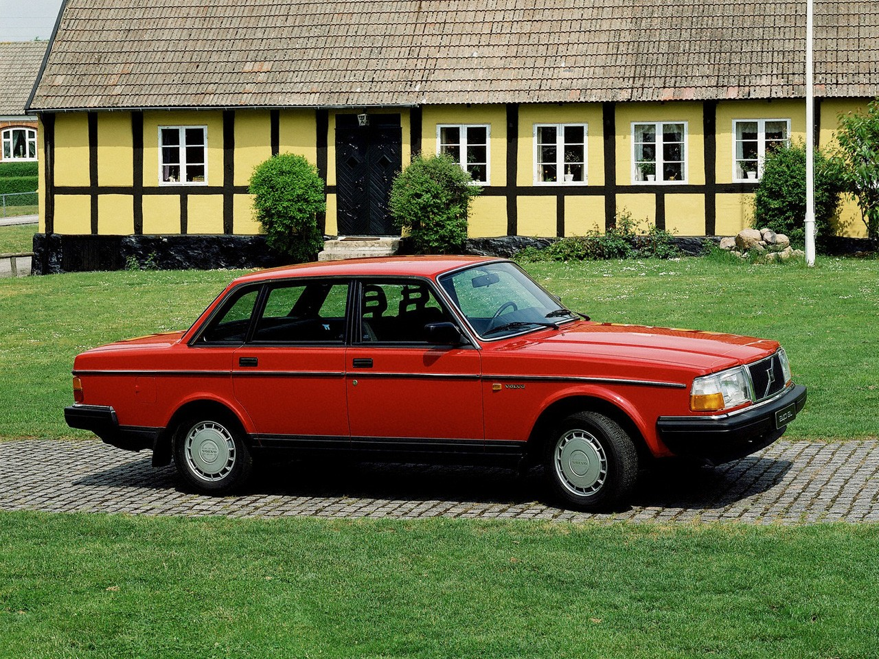 VOLVO 244 specs & photos - 1975, 1976, 1977, 1978, 1979, 1980, 1981, 1982, 1983, 1984, 1985 ...