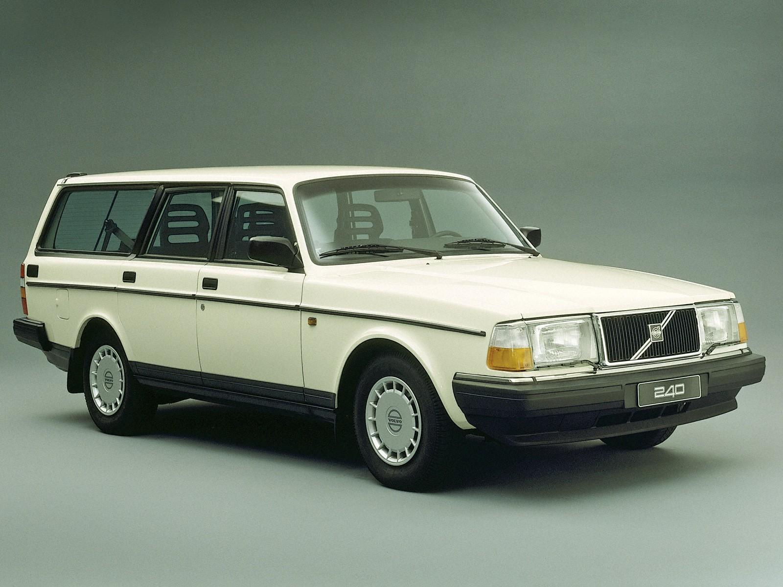 ... VOLVO 245 (1975 - 1990) ...