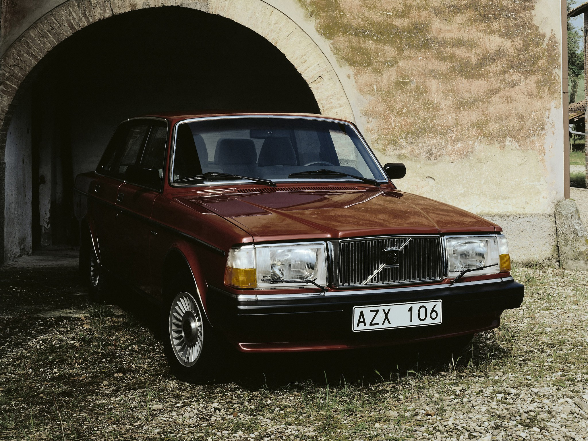 VOLVO 264 specs & photos - 1980, 1981, 1982 - autoevolution