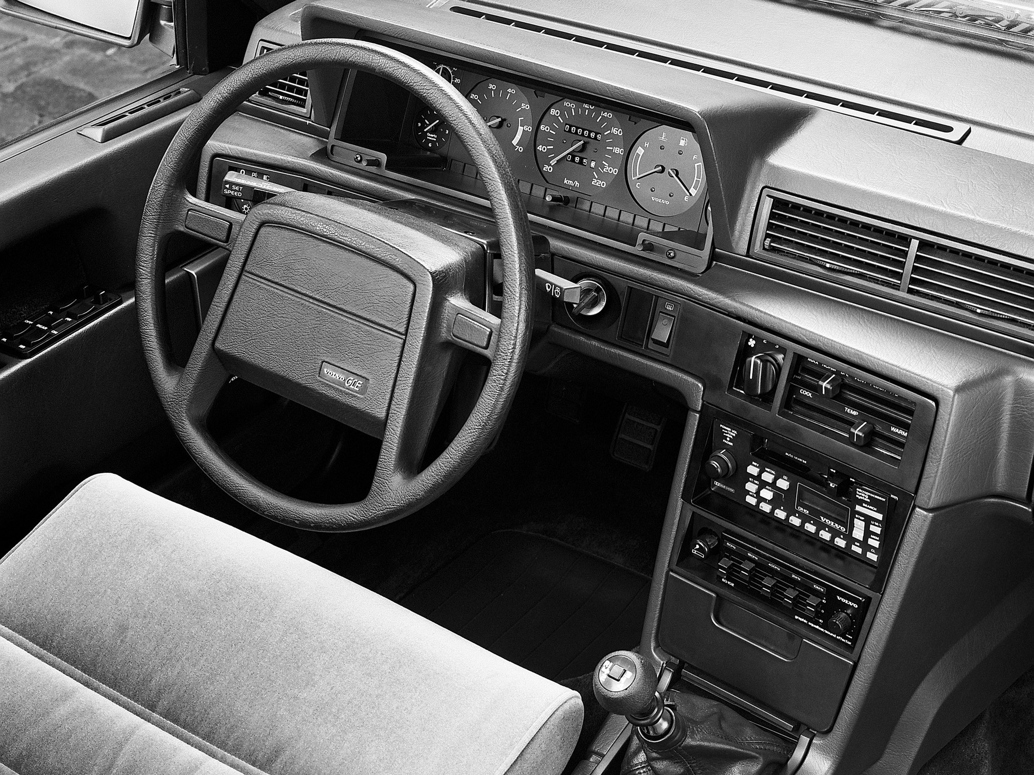 VOLVO 760 specs & photos - 1982, 1983, 1984, 1985, 1986 ...