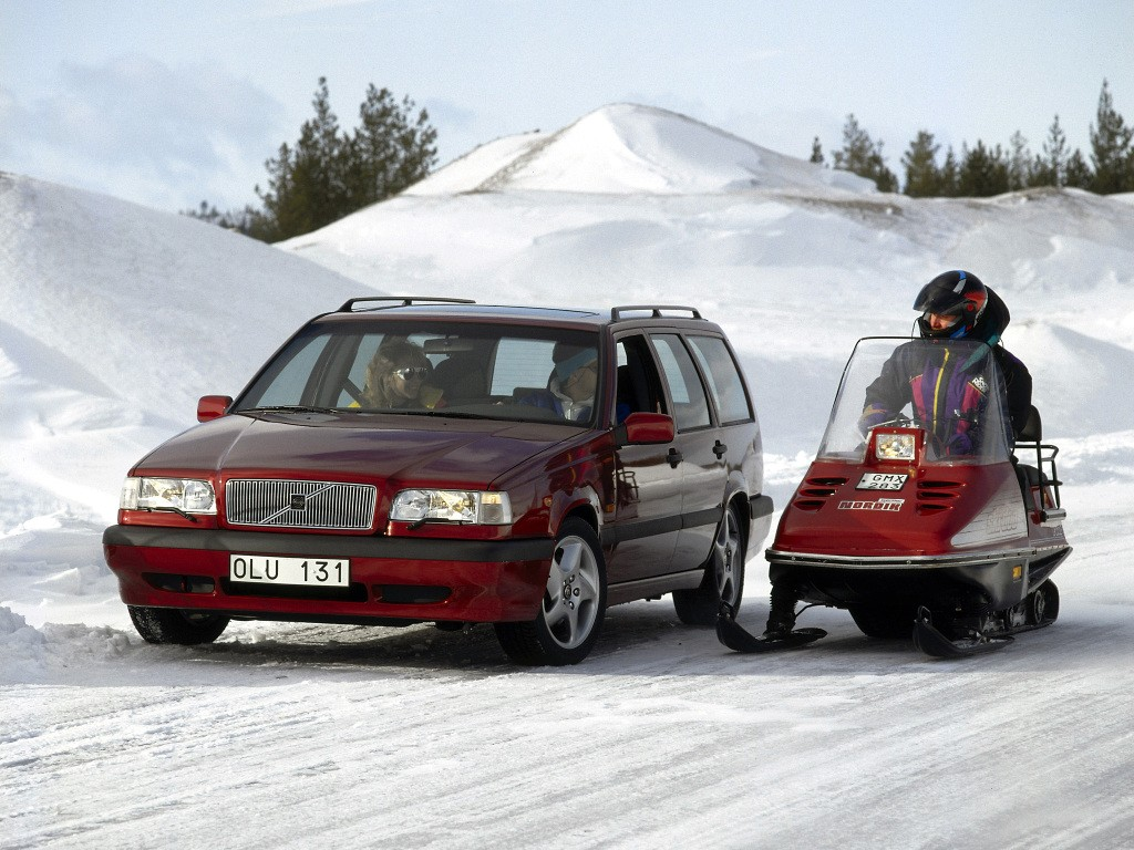 ... VOLVO 850 Estate (1993 - 1997) ...