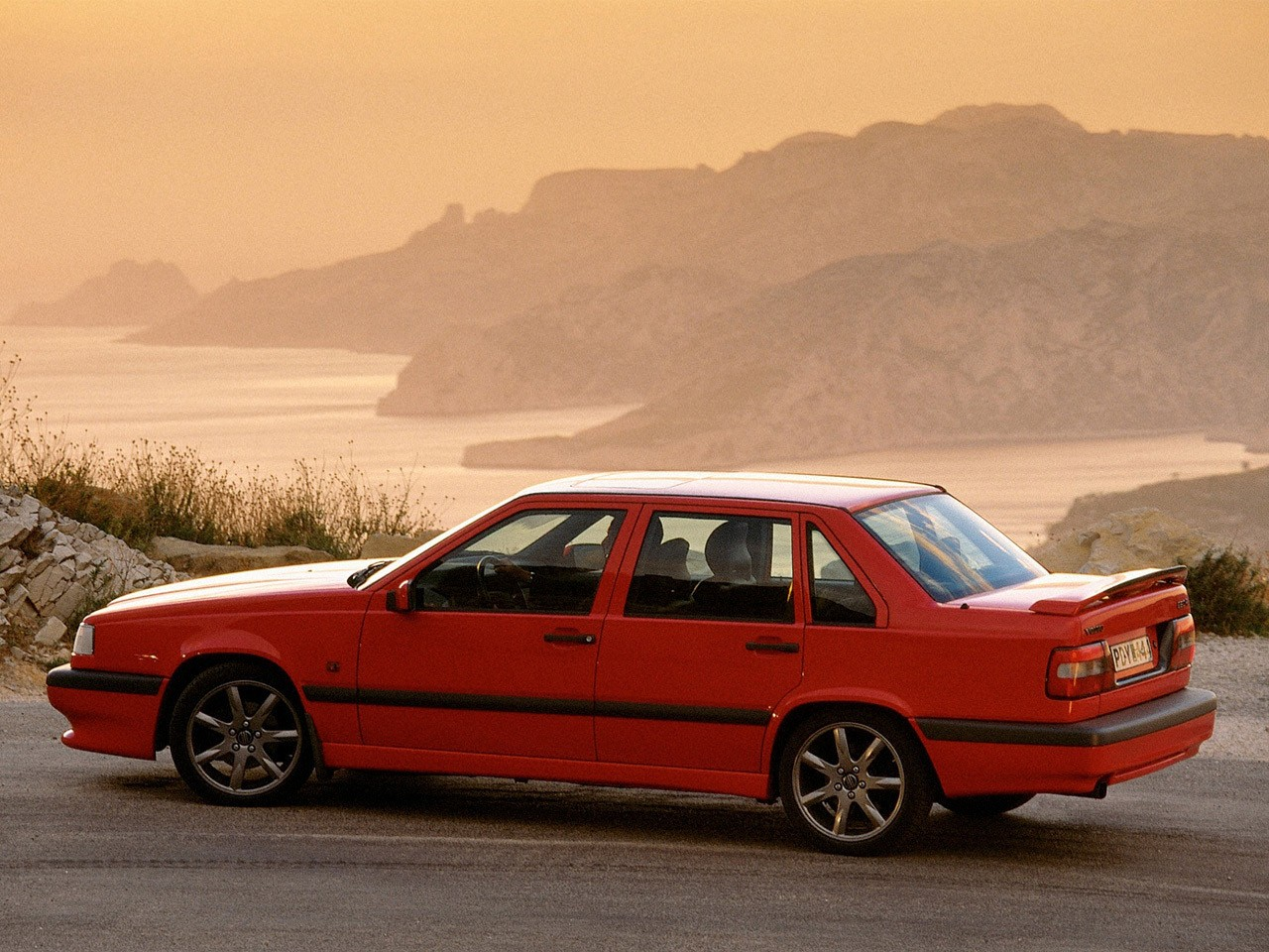 Volvo 850 R 1994 on alfa romeo seats