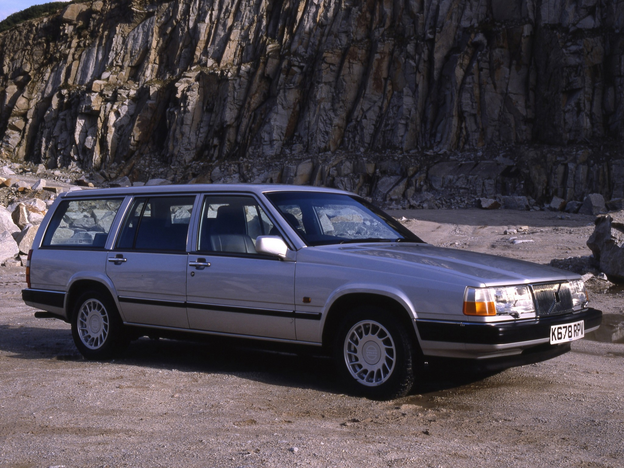 VOLVO 940 Estate specs & photos - 1990, 1991, 1992, 1993, 1994, 1995, 1996, 1997, 1998 ...