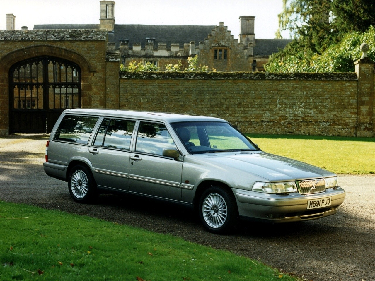 VOLVO 960 Estate specs & photos - 1994, 1995, 1996, 1997 - autoevolution