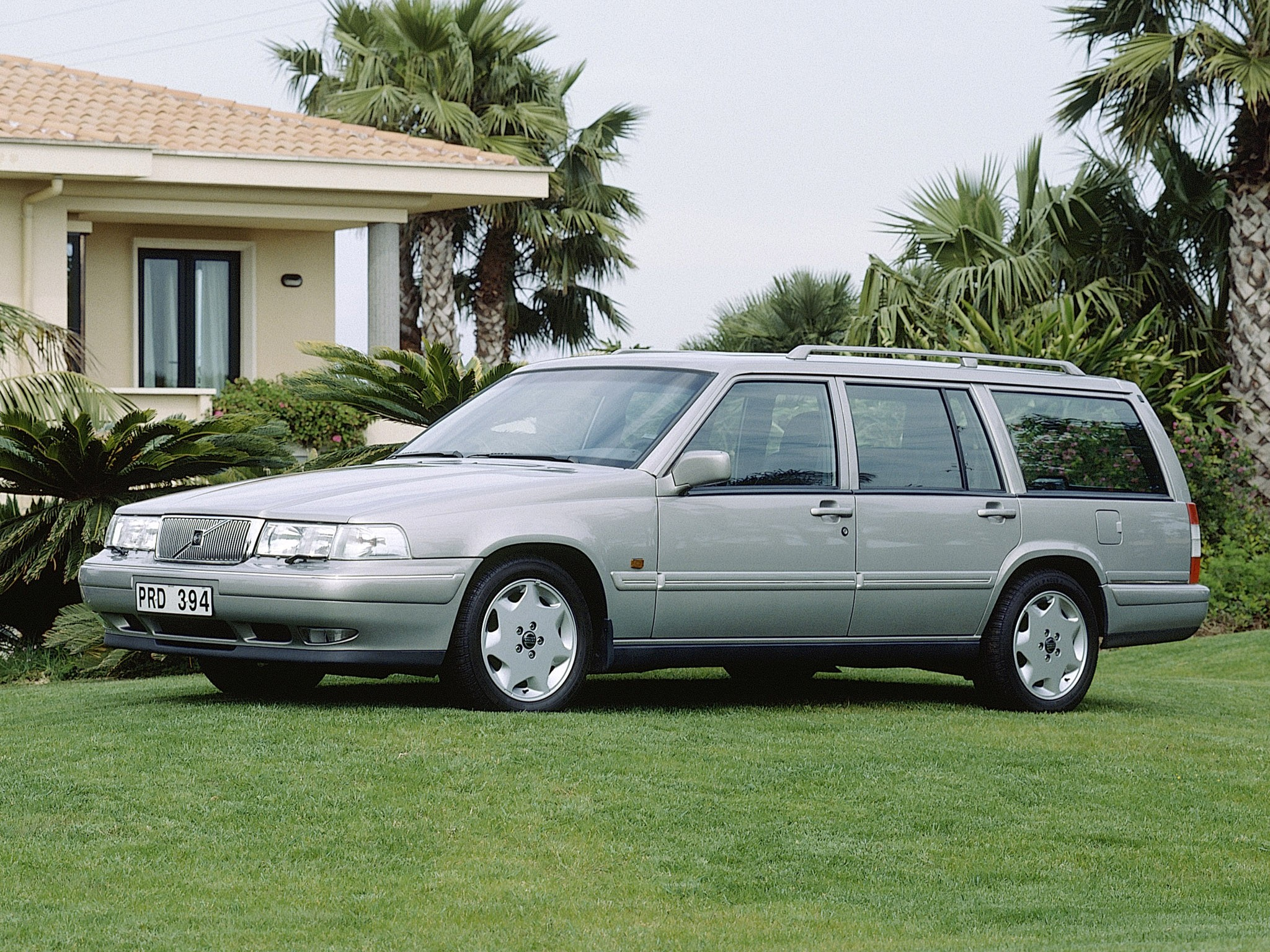 Volvo Estate on 1995 Volvo 960