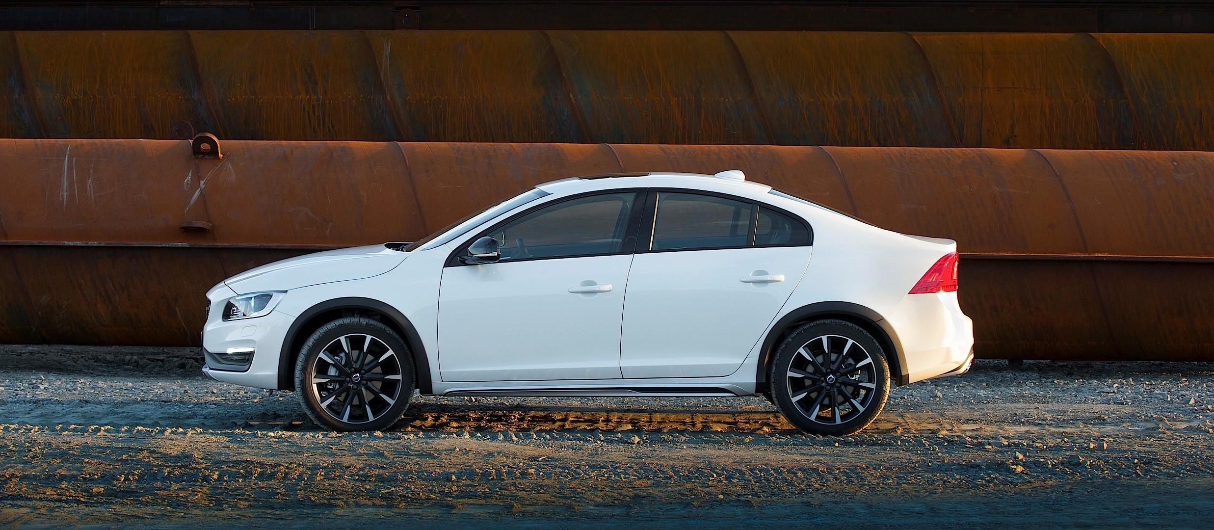 VOLVO S60 Cross Country specs & photos - 2015, 2016, 2017, 2018, 2019 - autoevolution