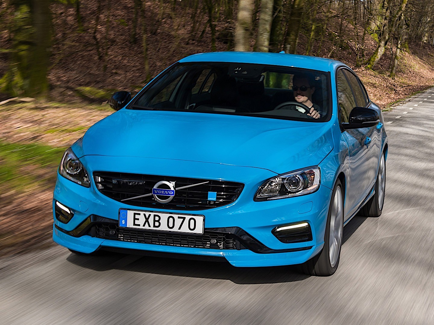 volvo s60 polestar specs 2014 2015 2016 2017 autoevolution. Black Bedroom Furniture Sets. Home Design Ideas