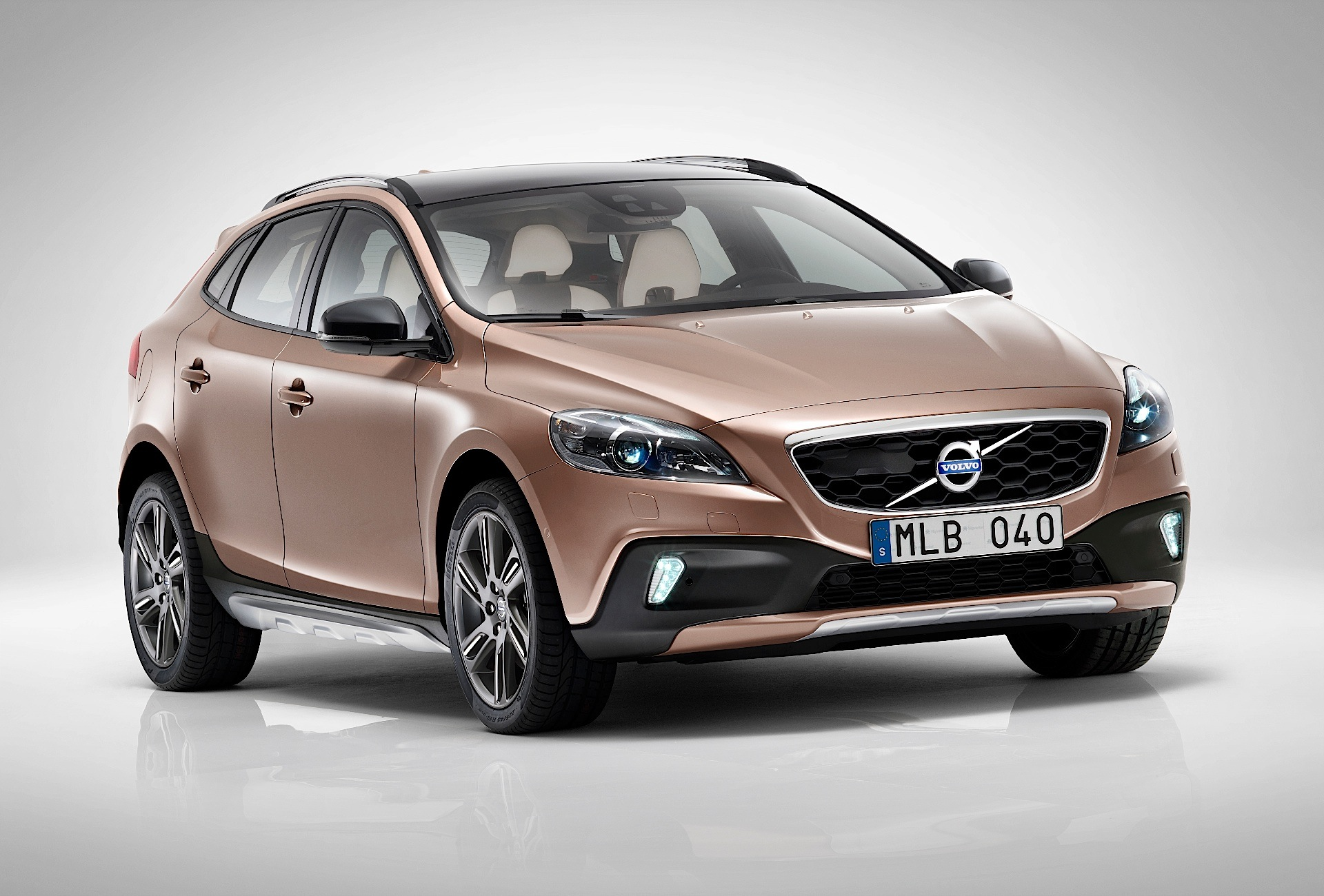 volvo v40 cross country 2012 2013 2014 2015 2016. Black Bedroom Furniture Sets. Home Design Ideas