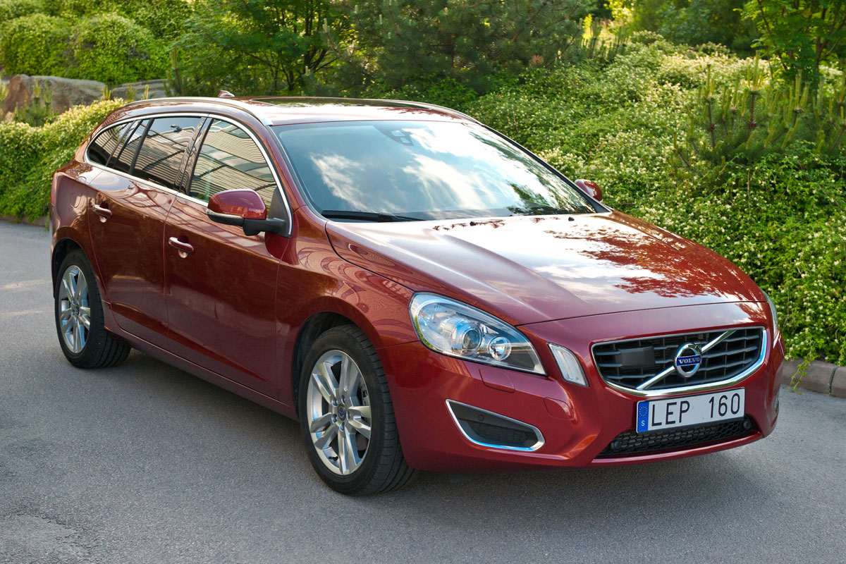 volvo v60 specs 2010 2011 2012 2013 autoevolution. Black Bedroom Furniture Sets. Home Design Ideas
