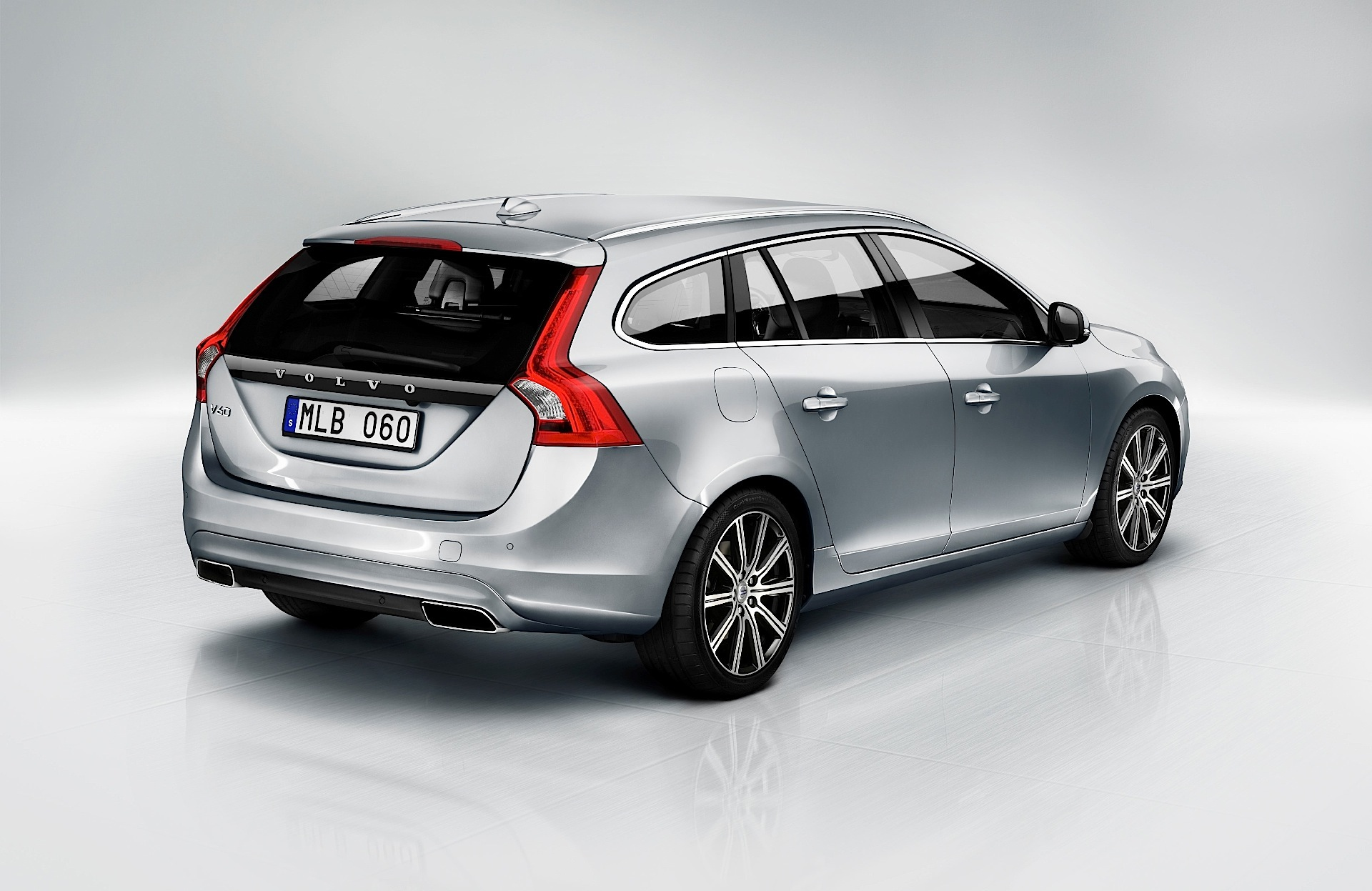 volvo v60 specs photos 2014 2015 2016 2017 2018 autoevolution. Black Bedroom Furniture Sets. Home Design Ideas