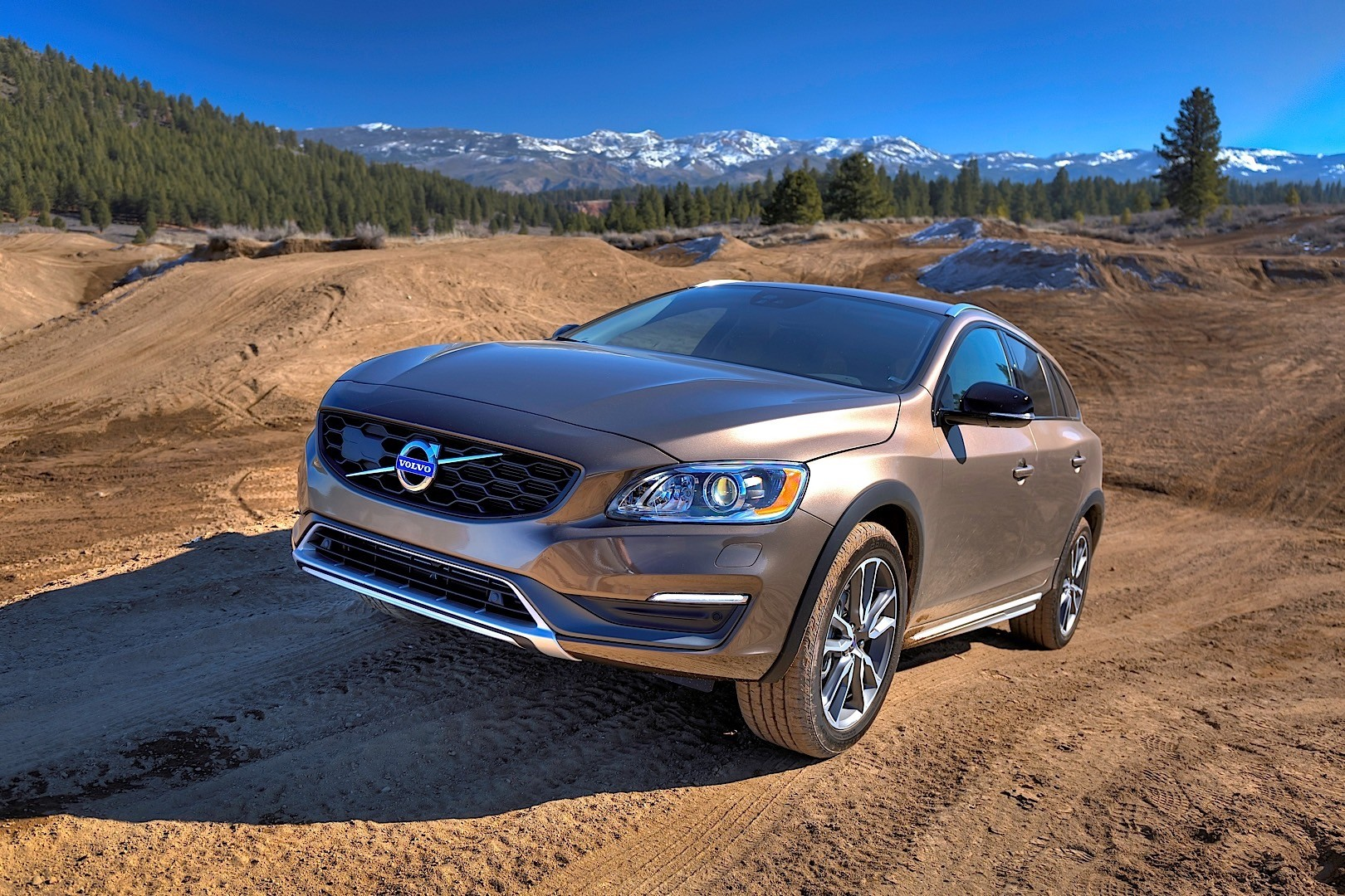 VOLVO V60 Cross Country specs - 2015, 2016, 2017, 2018 - autoevolution