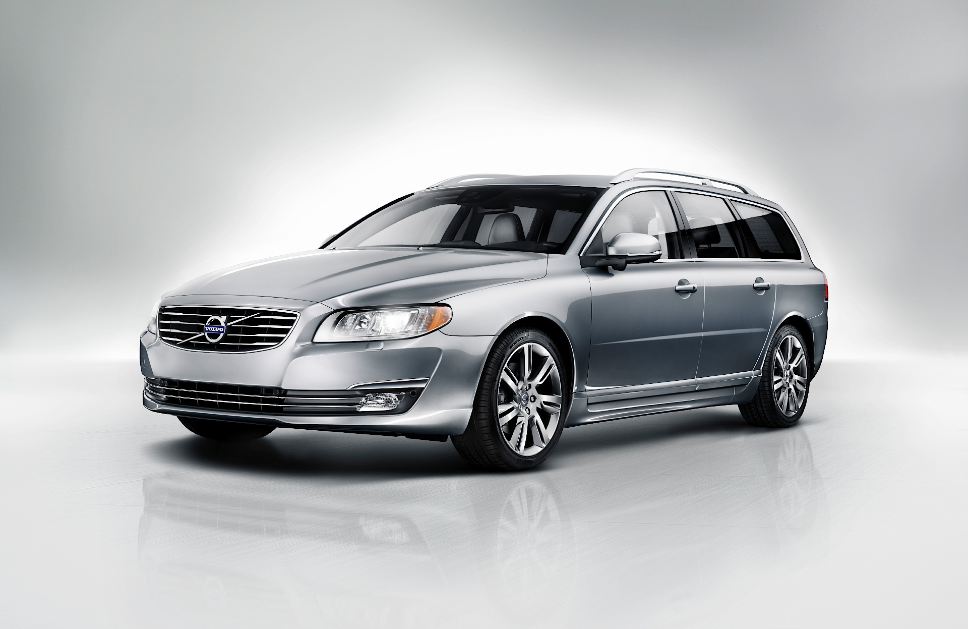 volvo v70 specs photos 2007 2008 2009 2010 2011 2012 2013 2014 2015 2016. Black Bedroom Furniture Sets. Home Design Ideas