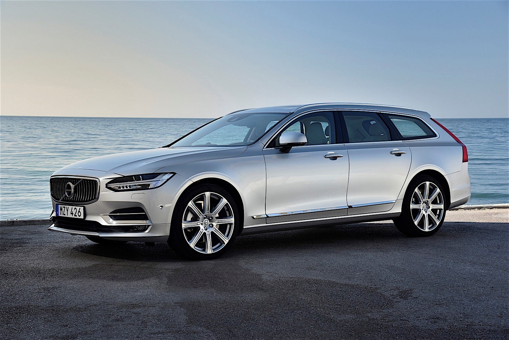 volvo v90 specs photos 2016 2017 2018 autoevolution. Black Bedroom Furniture Sets. Home Design Ideas