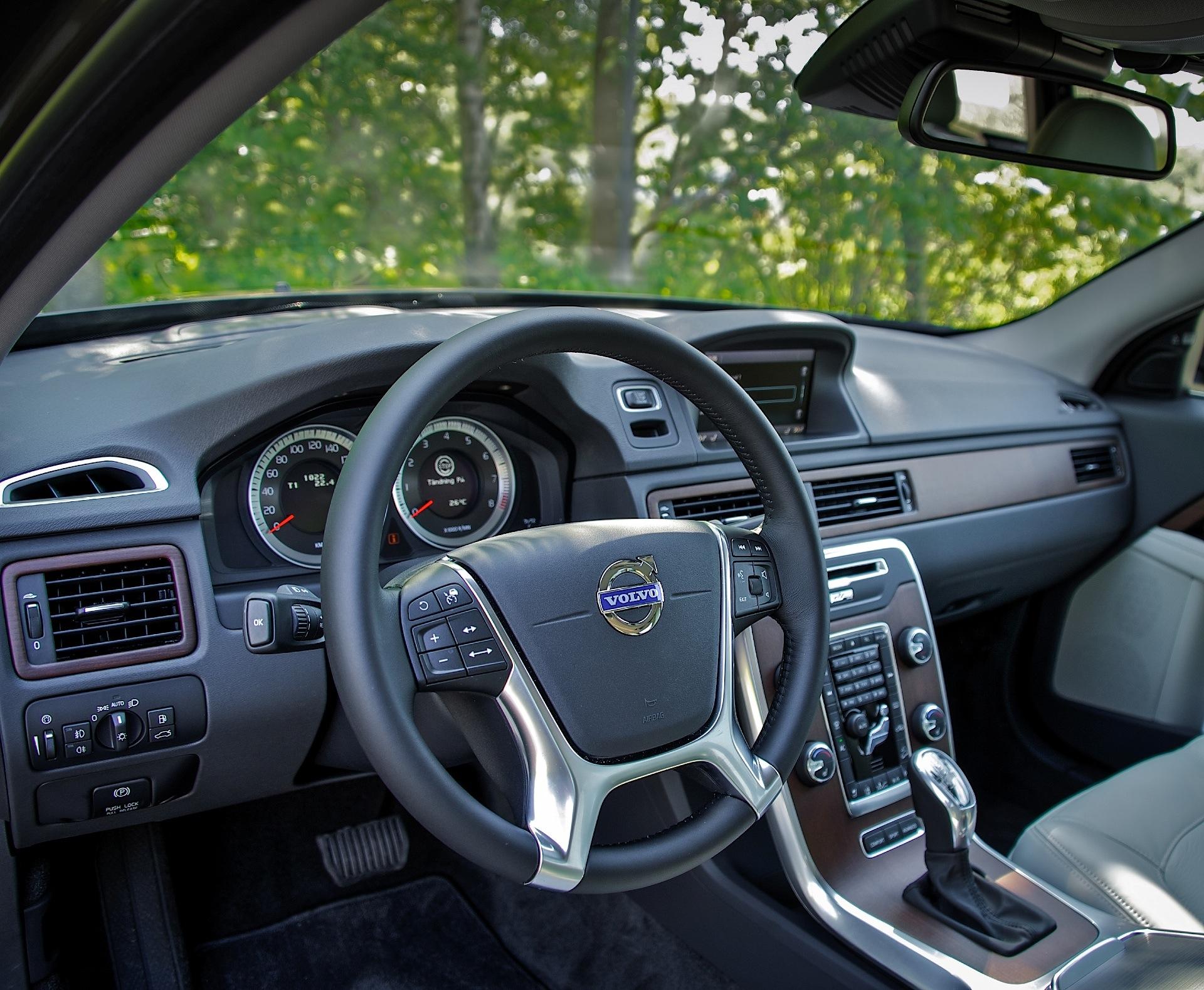 volvo xc70 specs 2007 2008 2009 2010 2011 2012 2013 2014 rh autoevolution com 2010 Volvo XC70 Exterior 2010 Volvo Wagon