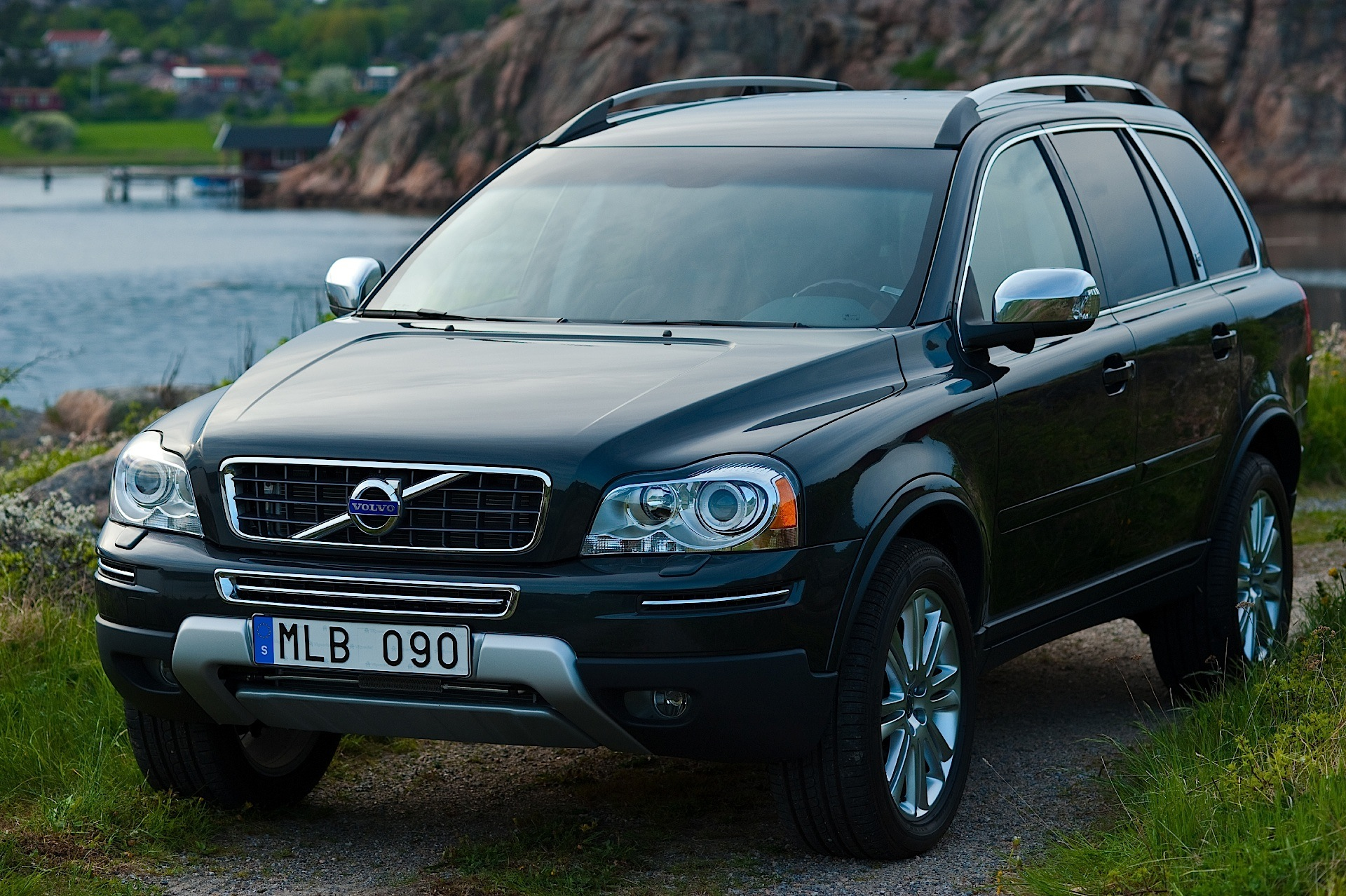 volvo xc90 specs 2007 2008 2009 2010 2011 2012 2013 2014 autoevolution. Black Bedroom Furniture Sets. Home Design Ideas