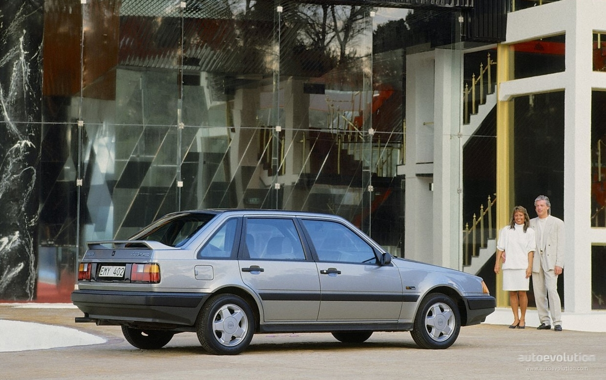 VOLVO 440 specs & photos - 1988, 1989, 1990, 1991, 1992 ...