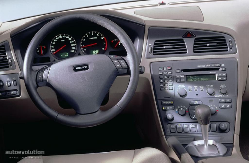 VOLVO S60 specs & photos - 2000, 2001, 2002, 2003, 2004 - autoevolution